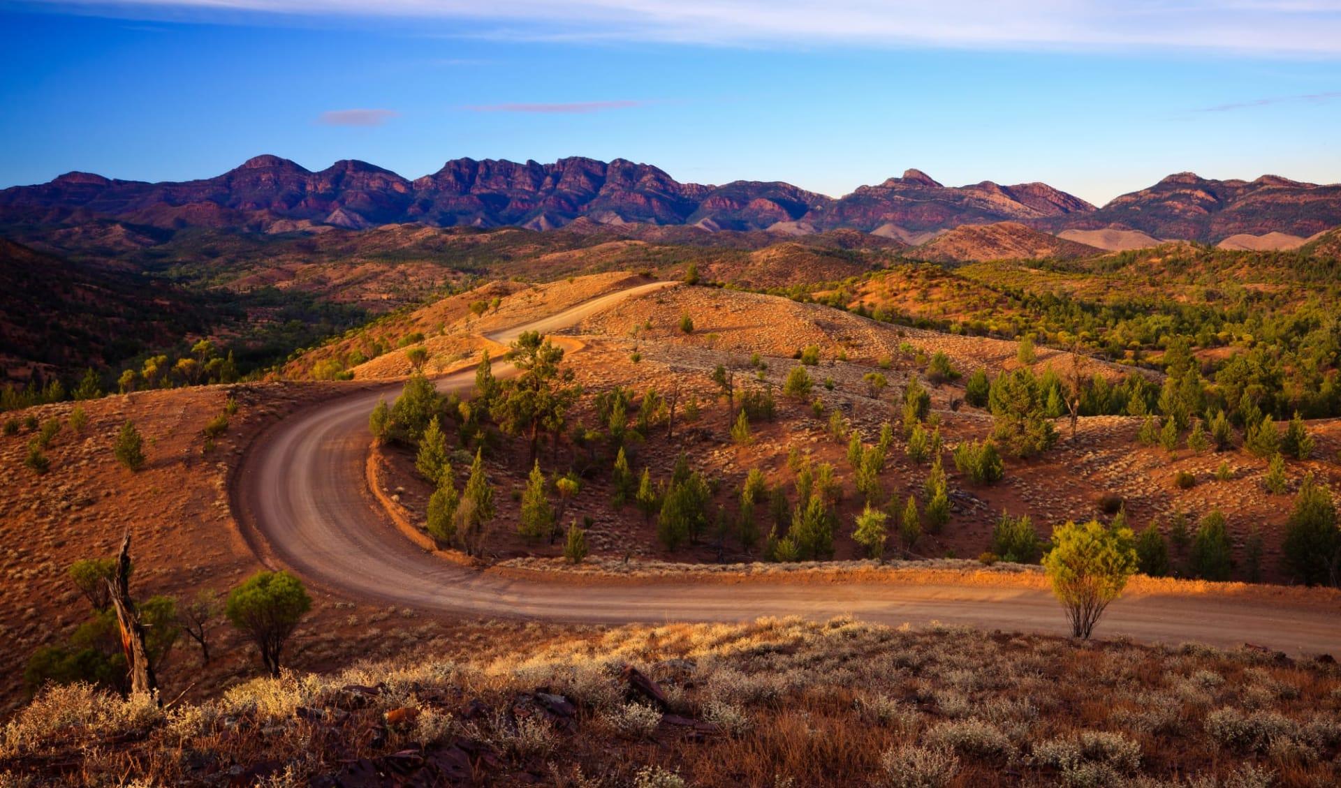 Melbourne to Darwin: Durch das Bunyeroo-Tal im Flinders Ranges National Park