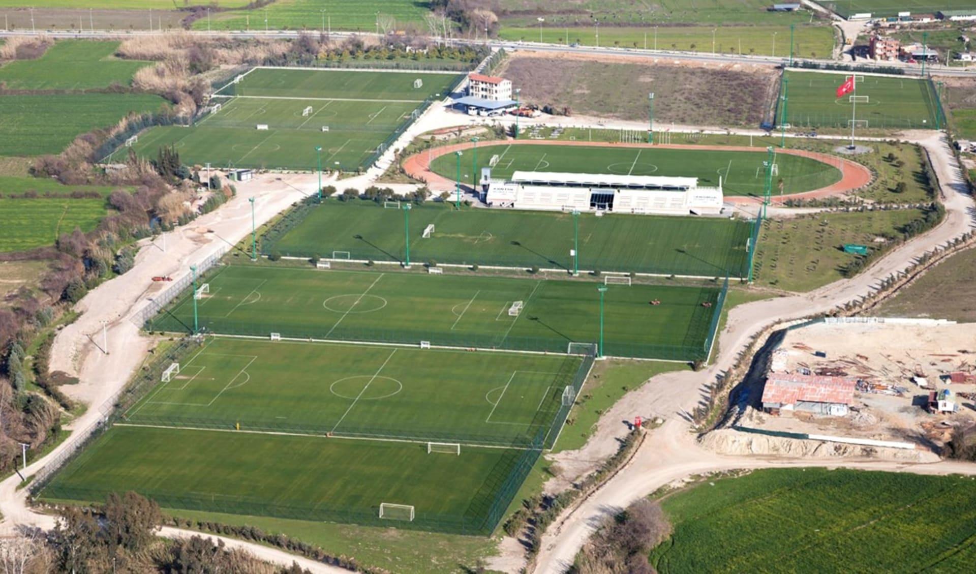 Side - LTI Xanthe Resort & SPA: Emirhan Soccer