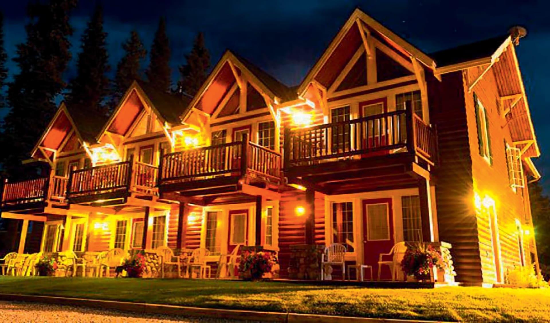 Paradise Lodge & Bungalows in Lake Louise:  2016_185_ParadiseLodge