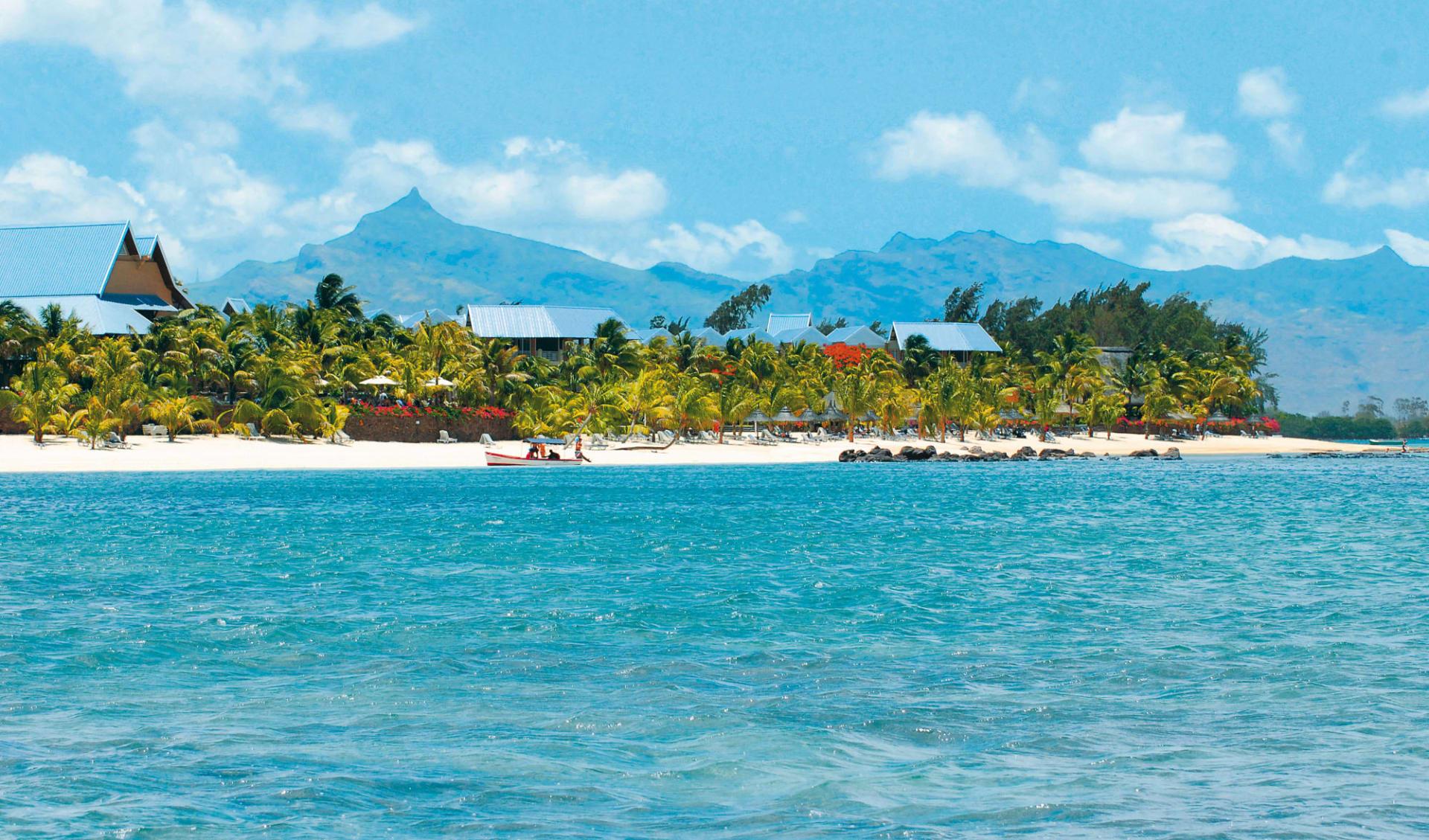 Victoria Beachcomber Resort & Spa in Pointe aux Piments: