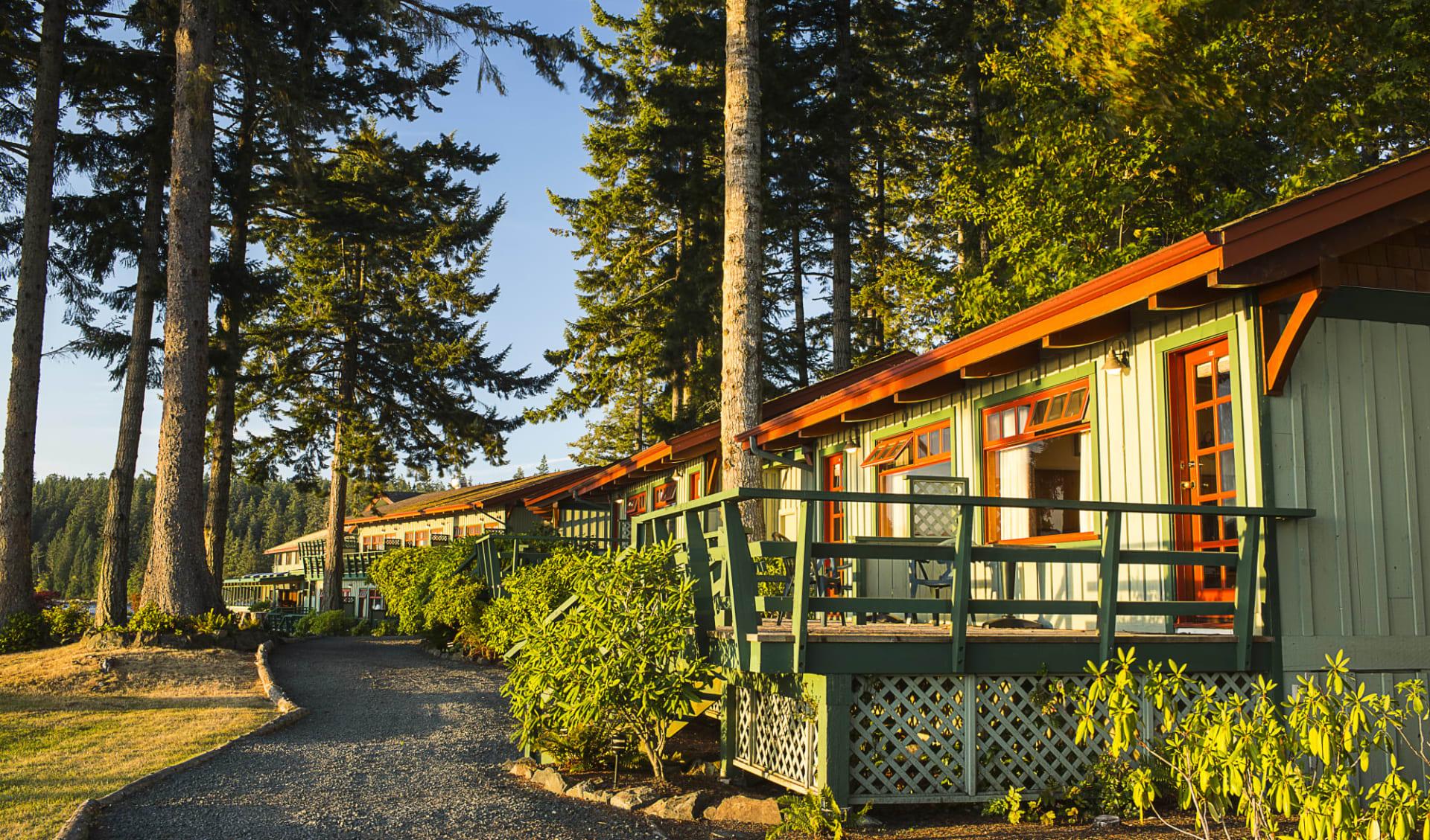 April Point Resort & Spa in Quadra Island:  April Point Lodge_YBLAP_exterior_027