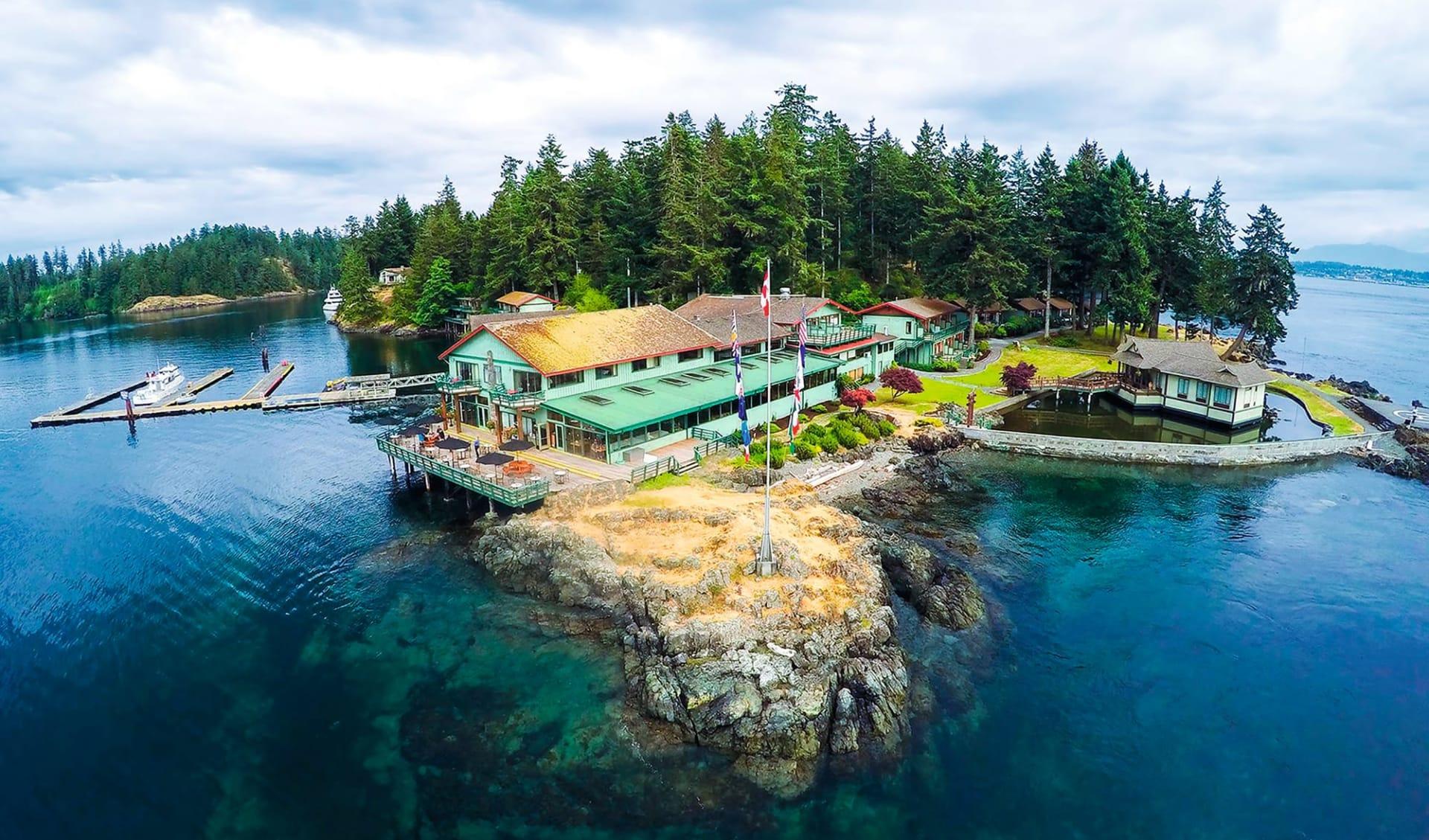 April Point Resort & Spa in Quadra Island: Exterior_April Point Resort_Aussenansicht_Jonview