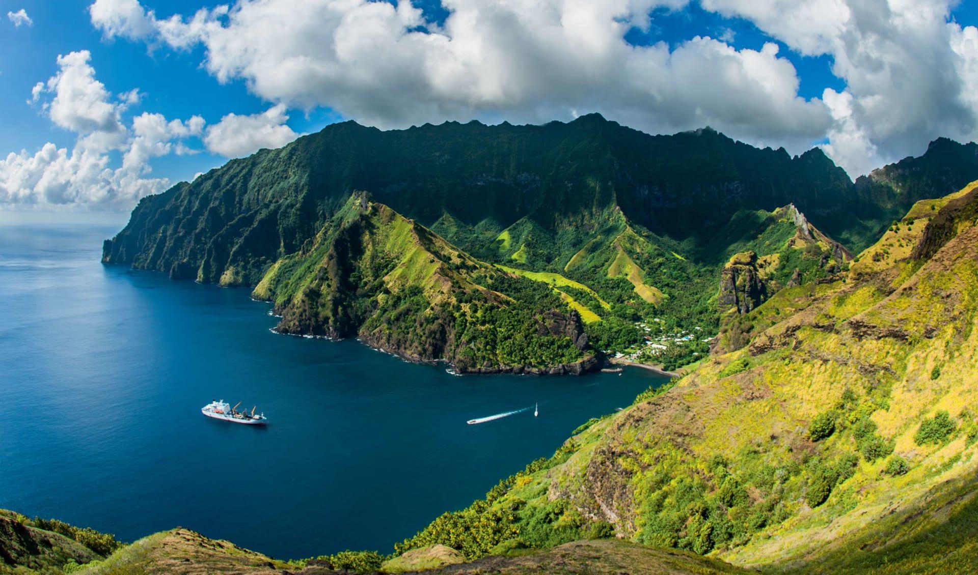 Aranui - Marquesas Cruise 13T ab Papeete: exterior: Aranui Marquesas Cruise