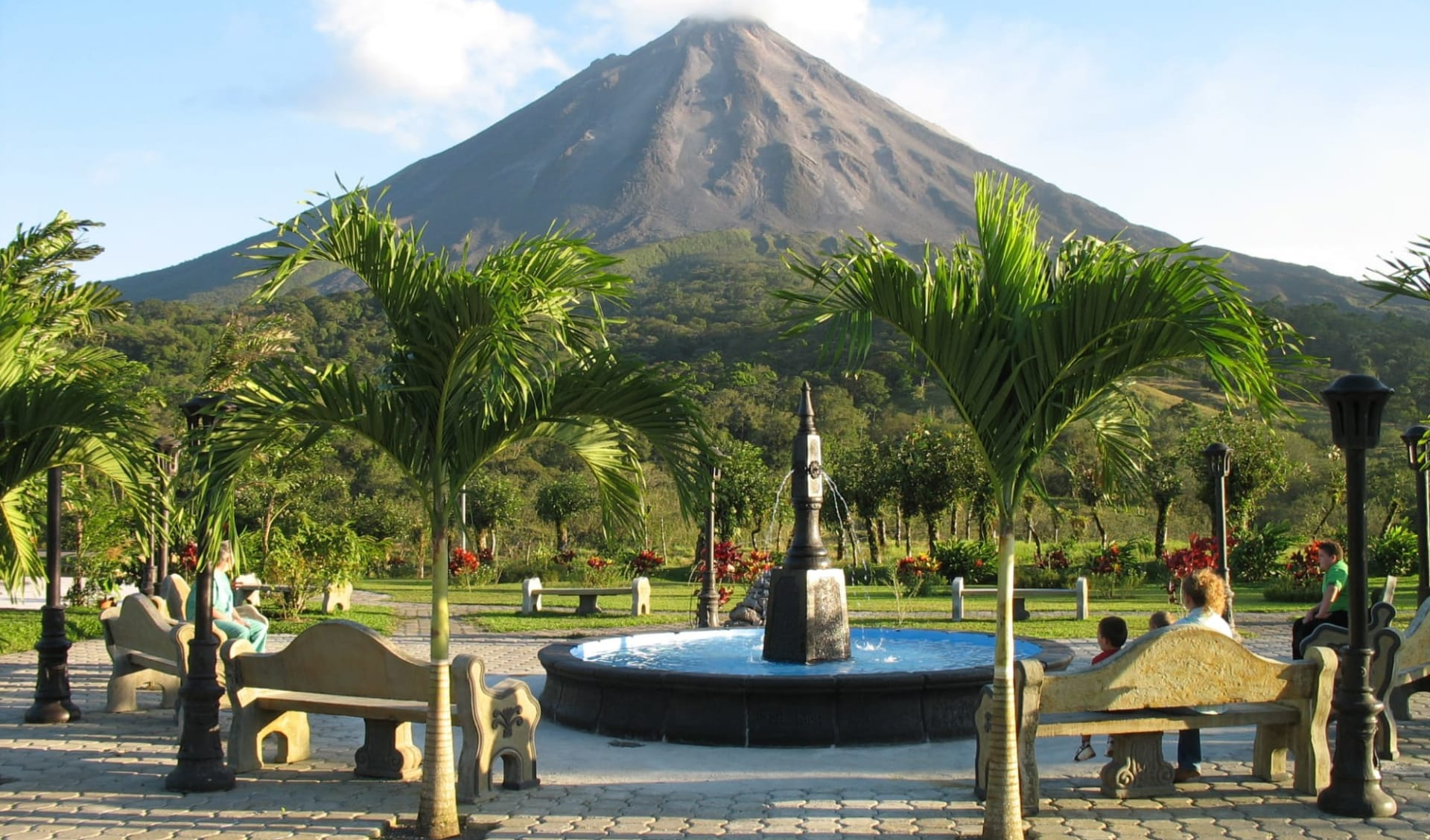 Arenal Kioro Suites & Spa in La Fortuna:  Arenal Kioro Volcano View