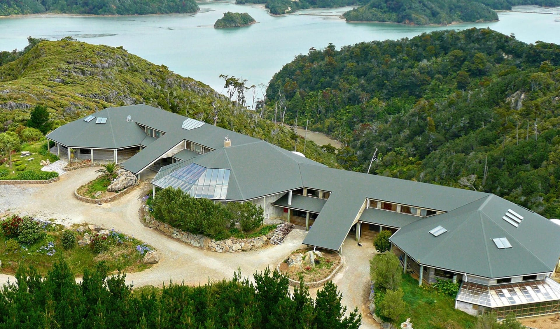 Westhaven Retreat in Abel Tasman:  arial lodge 4.6MB