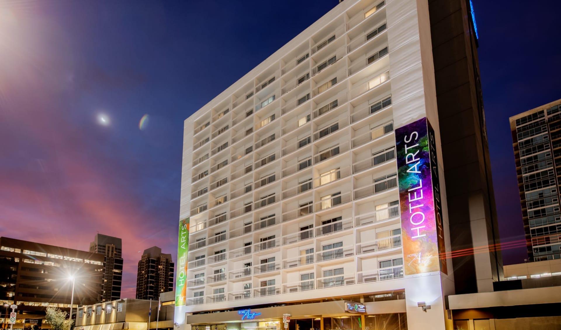 Hotel Arts in Calgary: Exterior_Arts Hotel YYC_Aussenansicht bei Nacht_Jonview