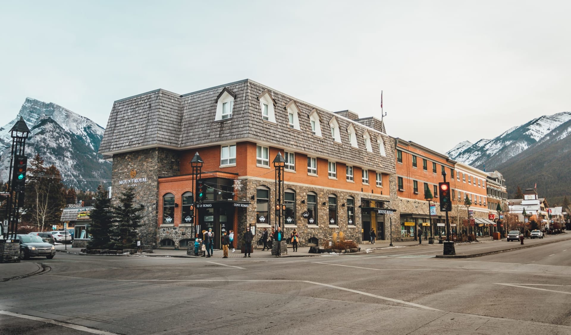 Mount Royal Hotel in Banff: Exterior_Banff Mount Royal Hotel_Aussenansicht 3_Jonview