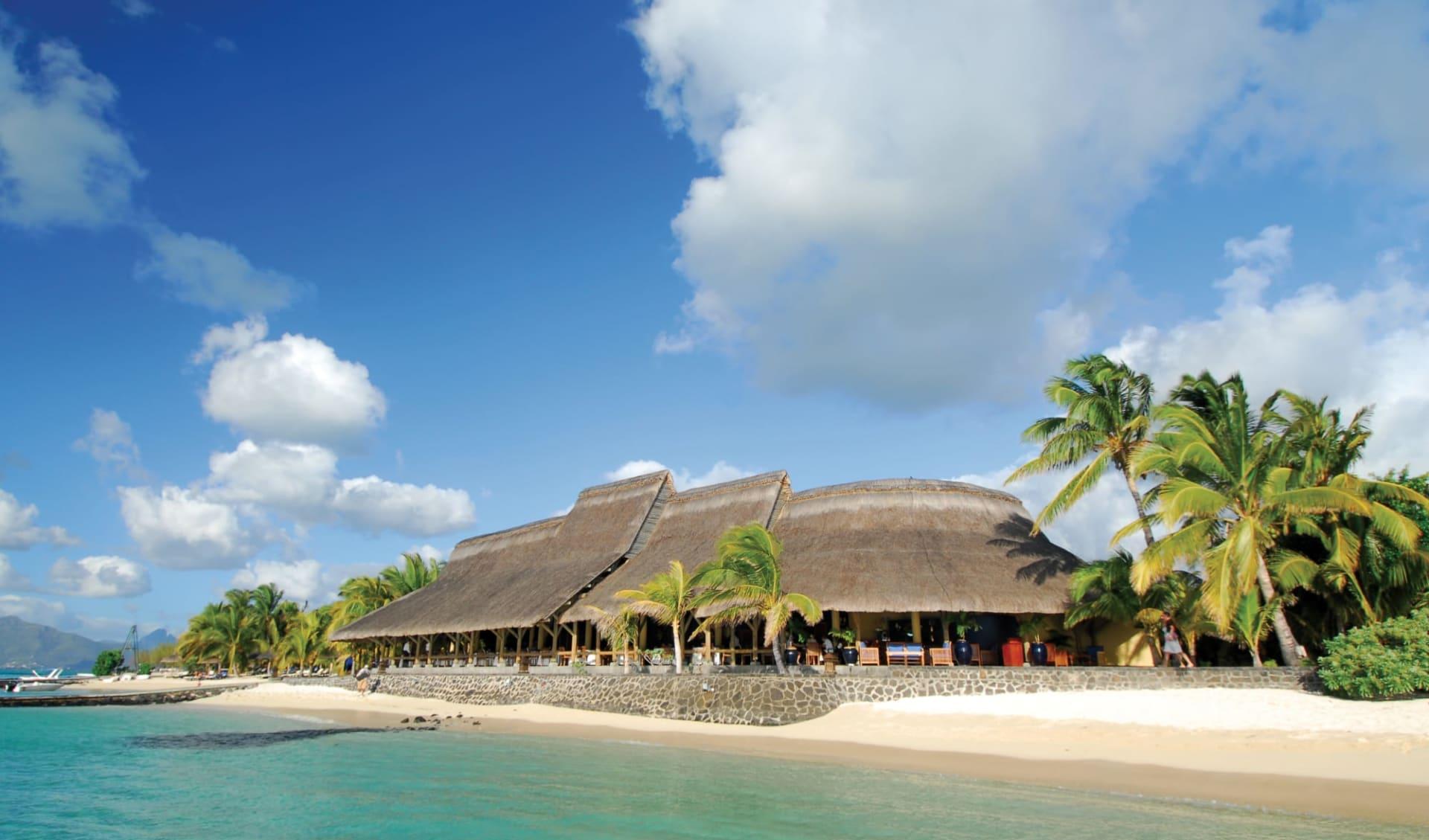 Paradis Beachcomber Golf Resort & Spa in Le Morne:  Beachcomber Paradis Hotel & Golf Club - Haupthaus