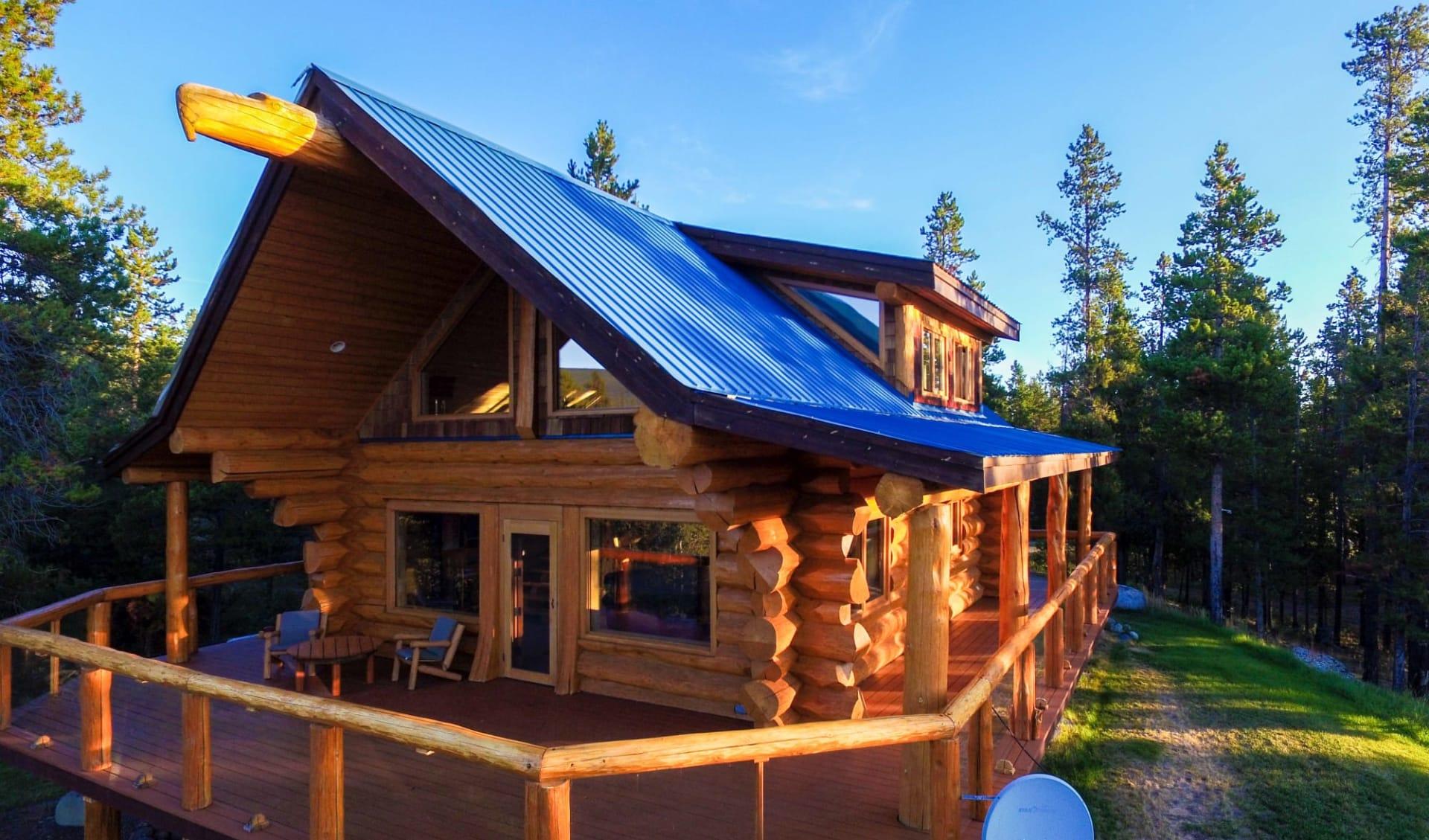 Chilko Experience Wilderness Resort in Tatla Lake: Exterior_Chilko Wilderness Lodge_Aussenansicht 2_Jonview