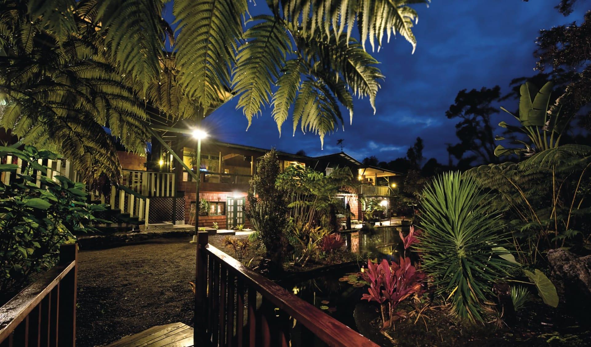 Chalet Kilauea- Hotel in Hawaii Volcanoes National Park:  Exterior_Chalet Kilauea_Aussenansicht