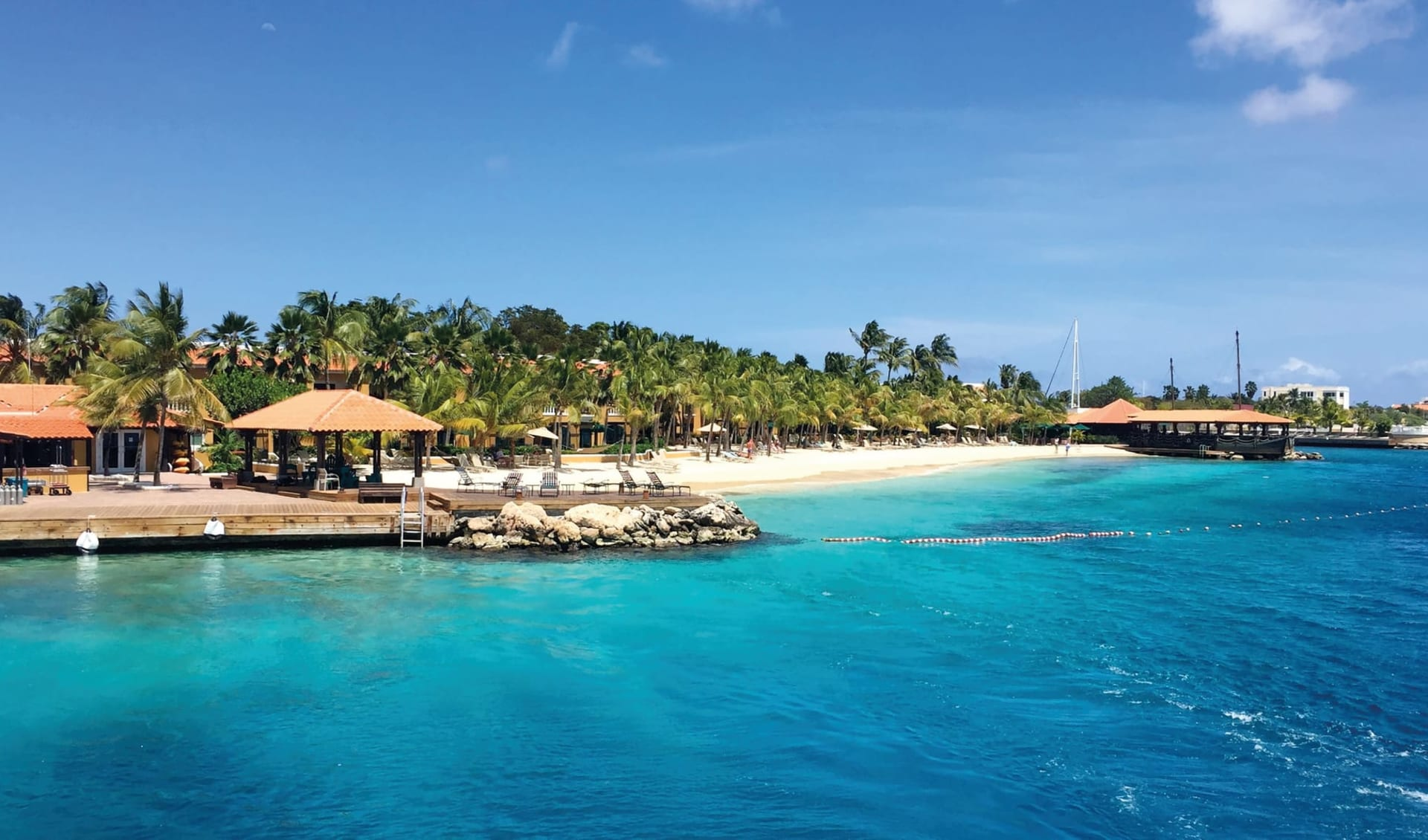 Harbour Village Beach Club Hotel in Bonaire:  Exterior Harbour Village Beach Club - Strandsicht C Harbour Village Beach Club