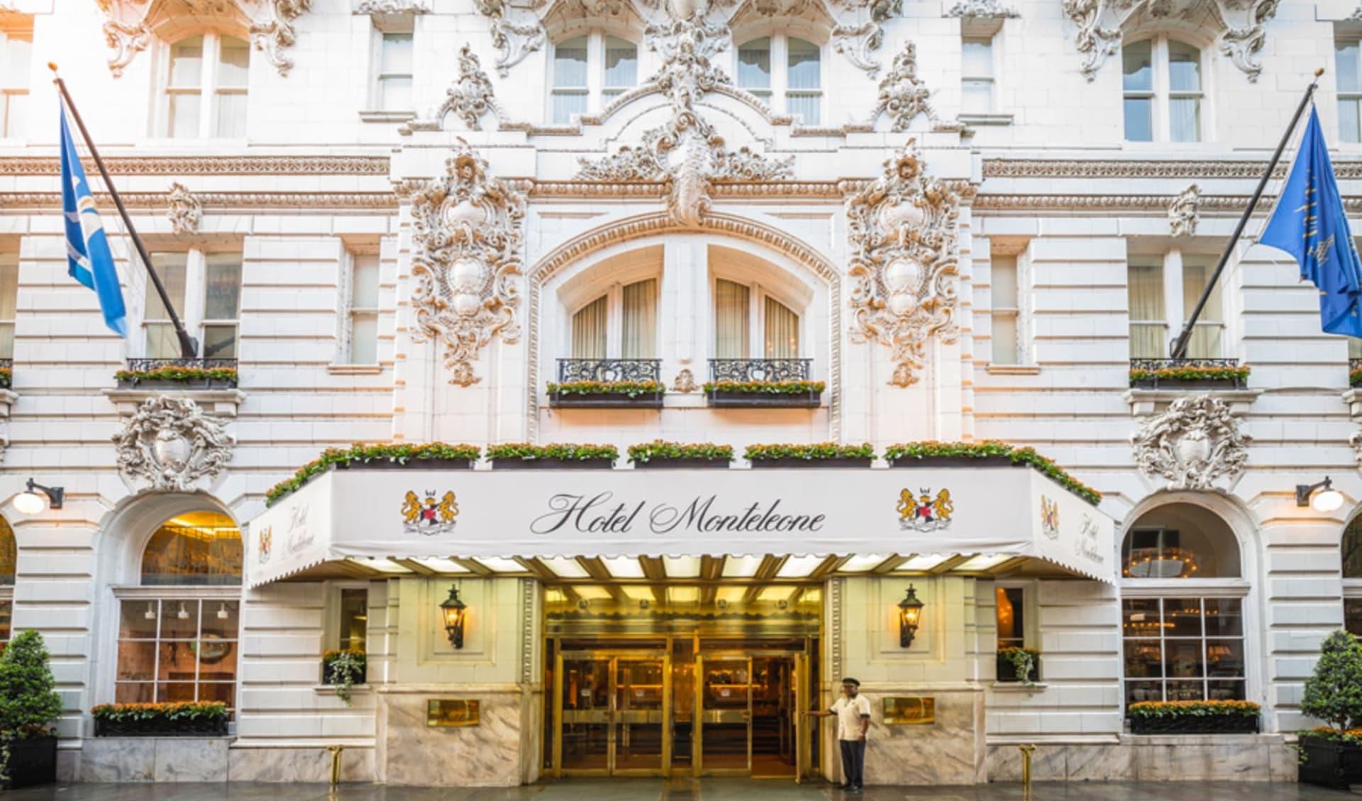 Monteleone in New Orleans:  Exterior_Hotel Monteleone_Aussenansicht_Tourmappers