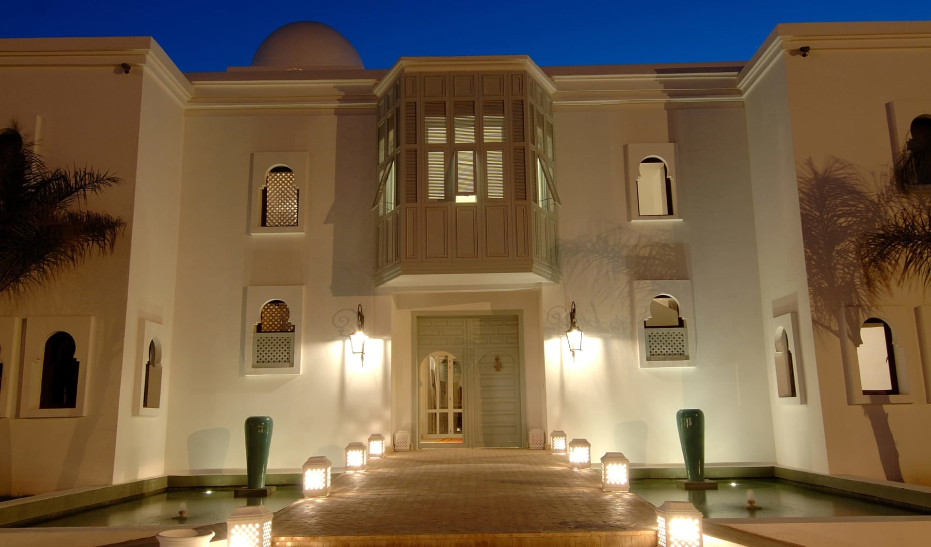 Riad Villa Blanche in Agadir:  façade nuit 1