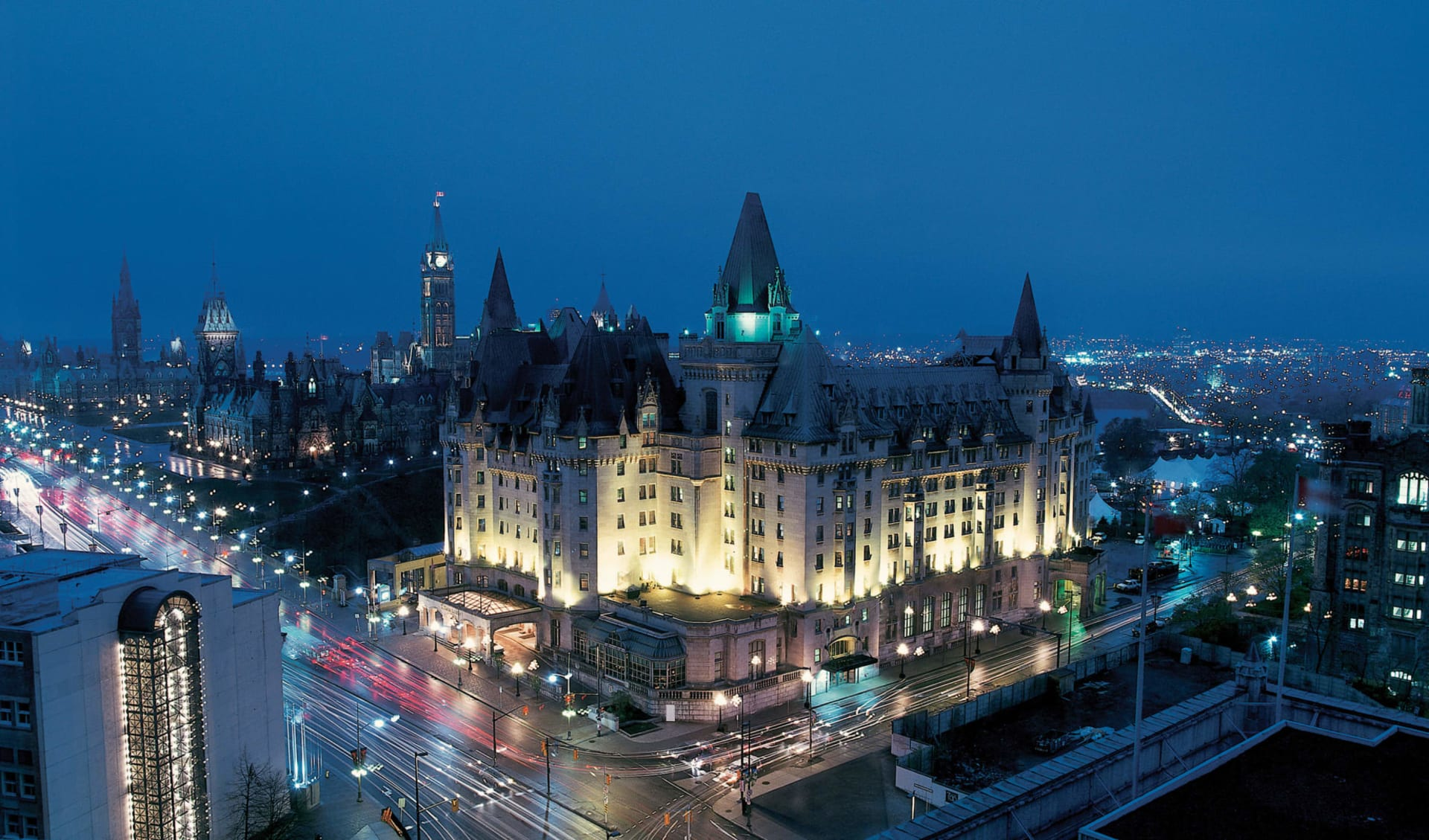 The Fairmont Château Laurier in Ottawa: exterior_Fairmont Château Laurier_ByNight