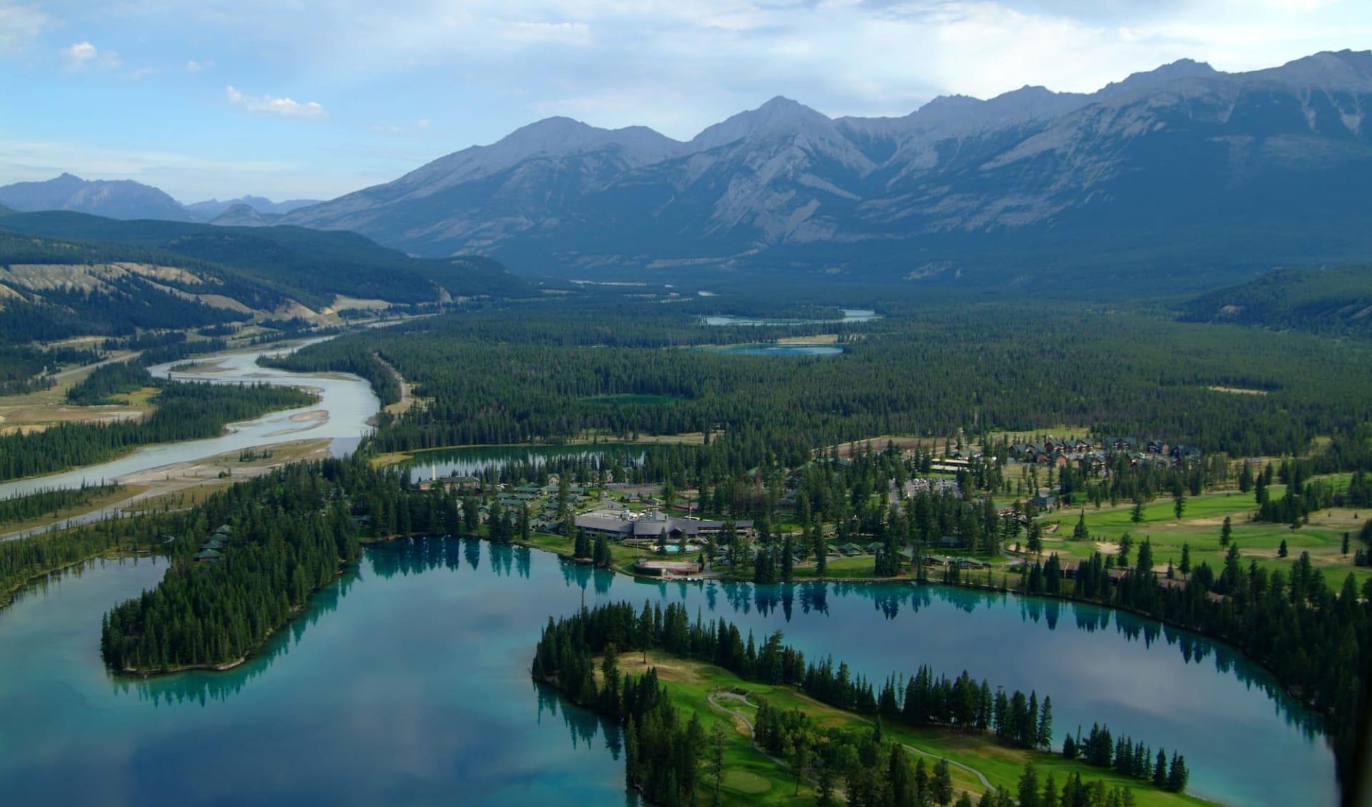 The Fairmont Jasper Park Lodge:  Fairmont Jasper Park Lodge_AerialViewSummer