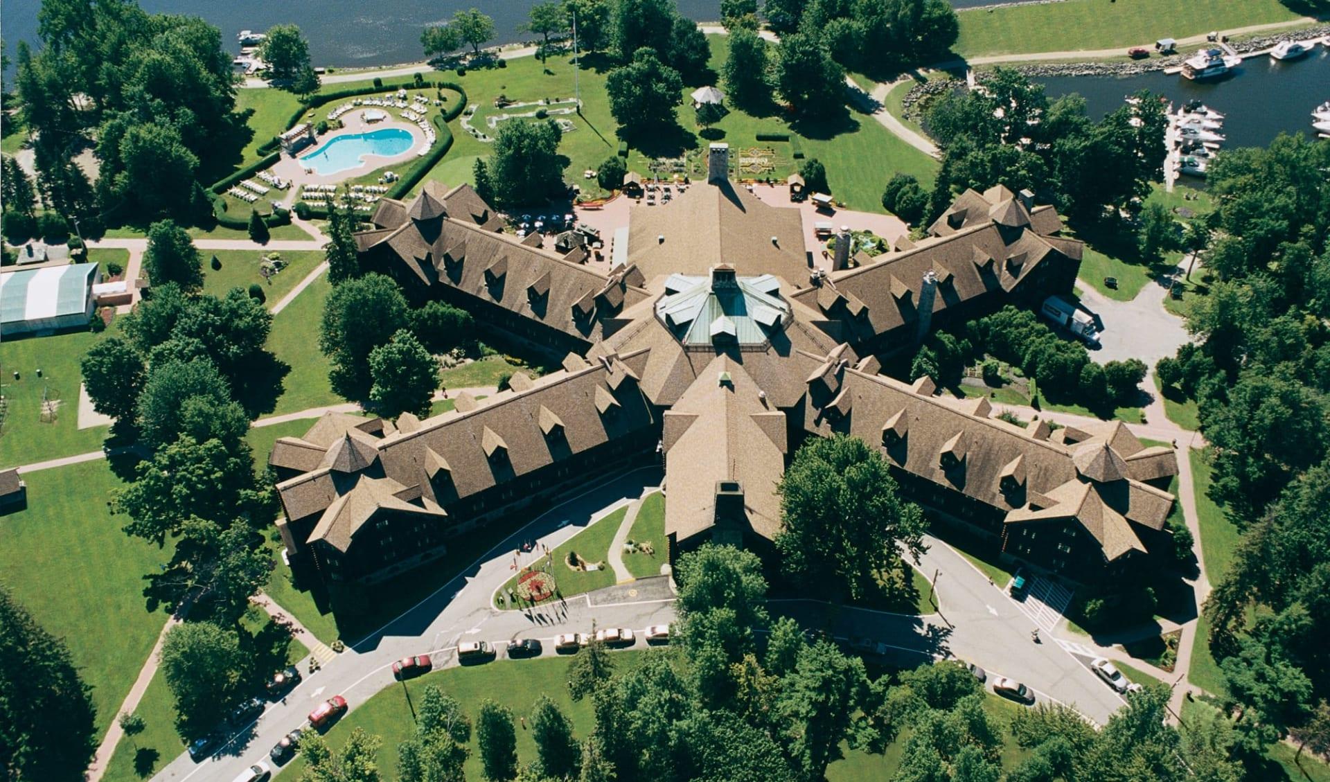 Fairmont Le Chateau Montebello:  Fairmont Le Château Montebello_AerialView
