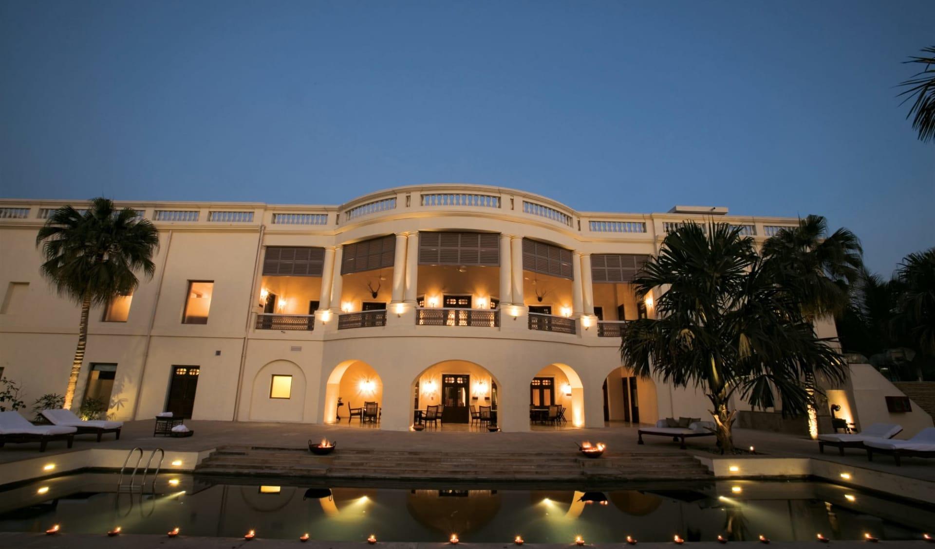 Taj Nadesar Palace in Varanasi: Garden View