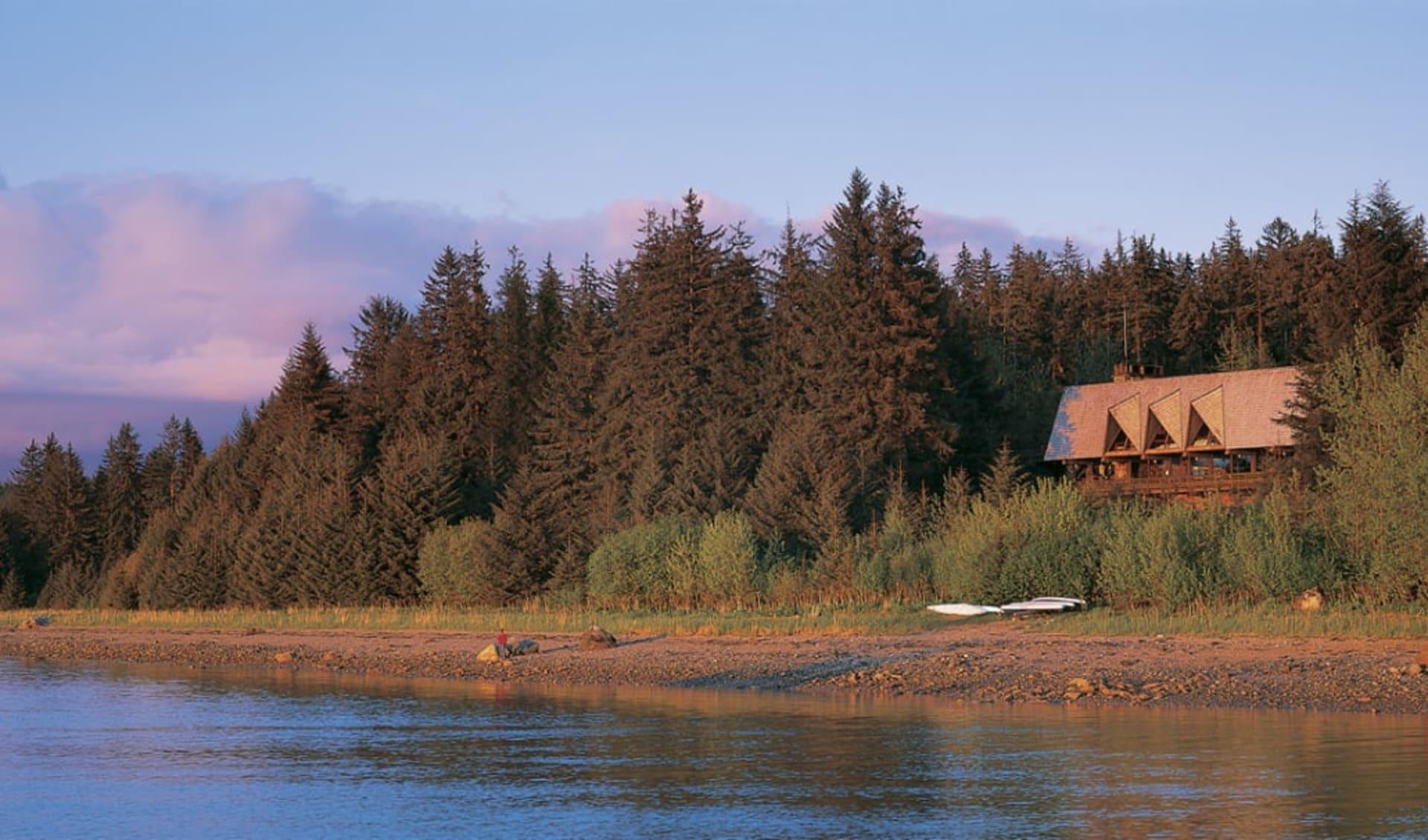 Glacier Bay Lodge in Glacier Bay National Park:  Glacier_Bay_Lodge