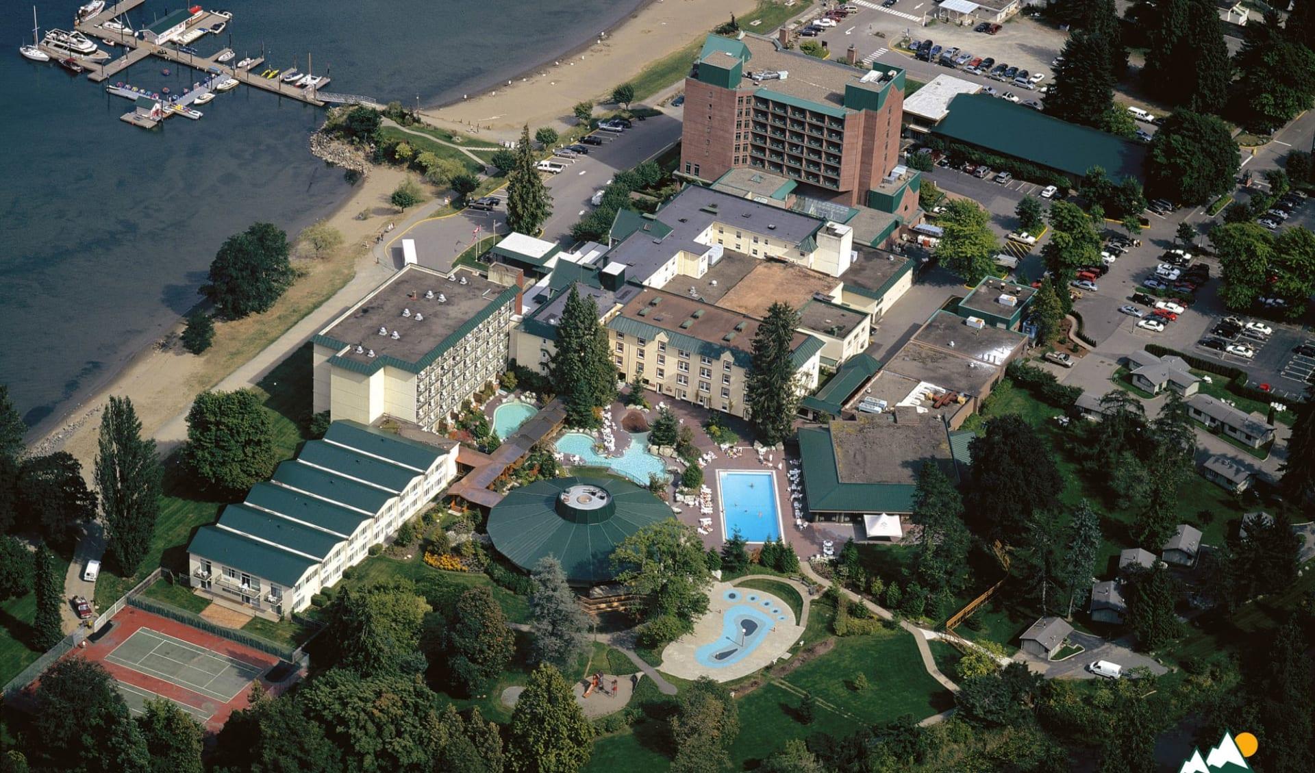 Harrison Hot Springs Resort & Spa:  Harrison Hot Springs Resort & Spa_AerialView
