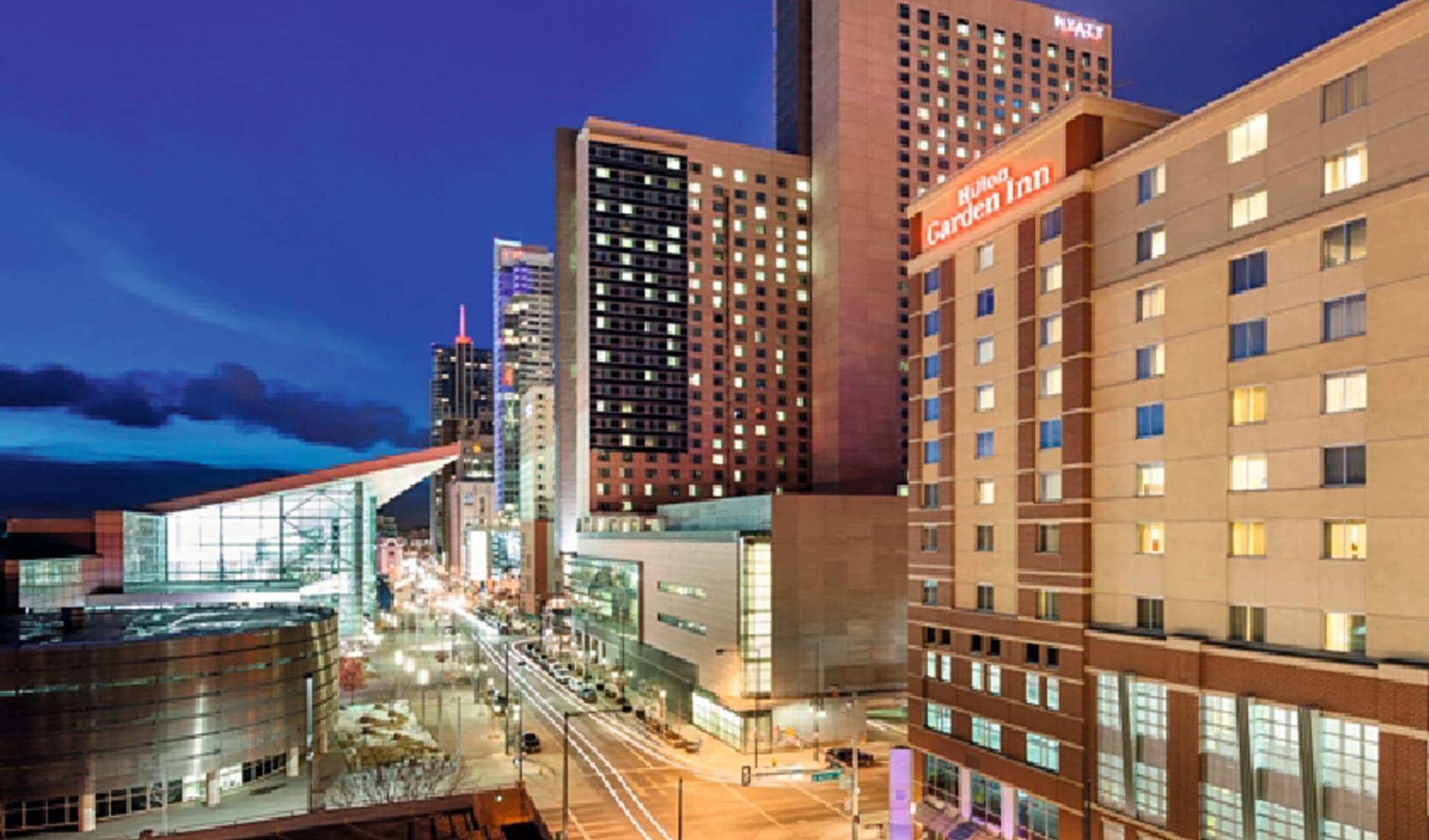 Hilton Garden Inn Denver Downtown:  Hilton Garden Inn Denver Downtown - Strassenansicht