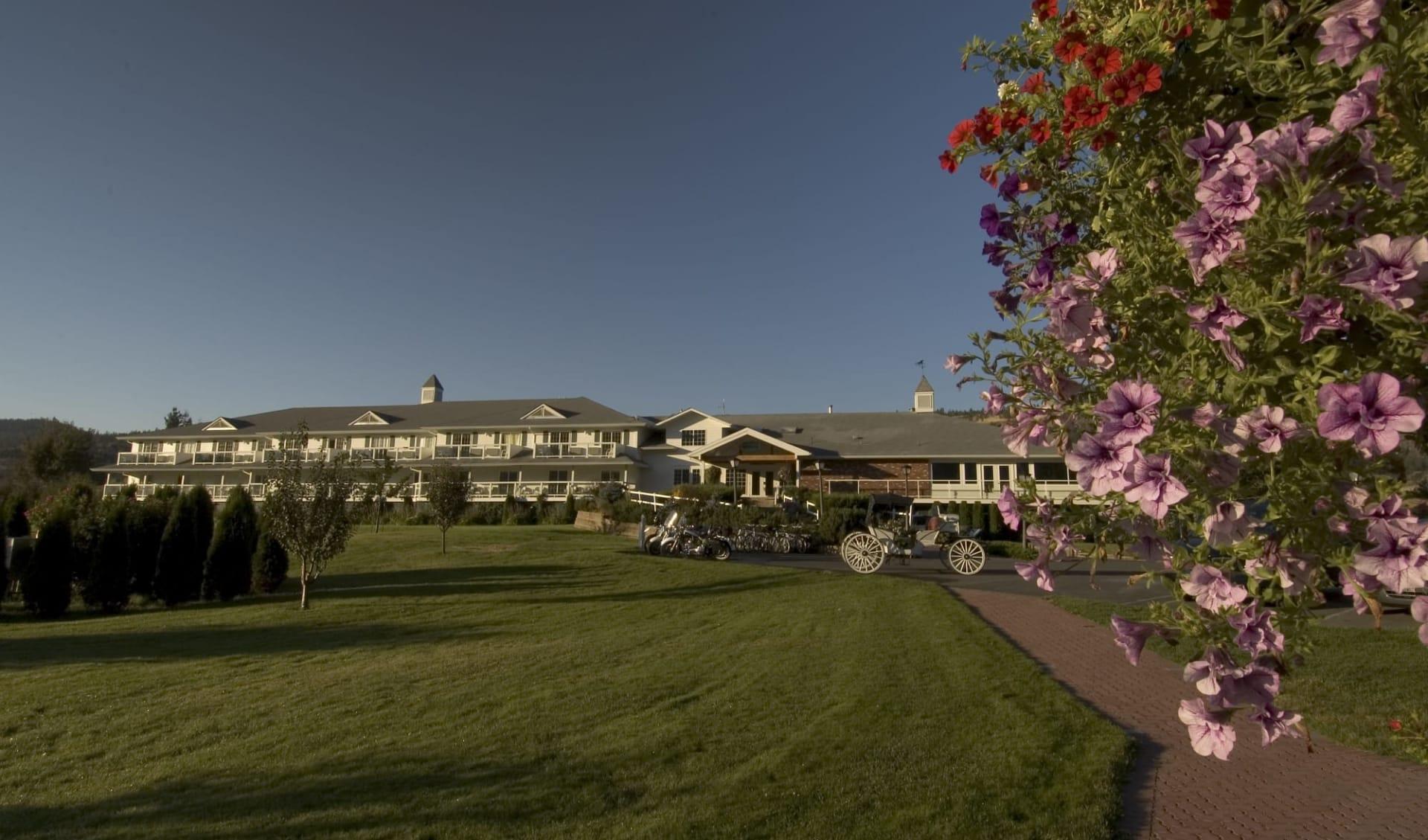 The Lund Resort at Kla ah Men:  Historic Lund Hotel_ViewFromGarden