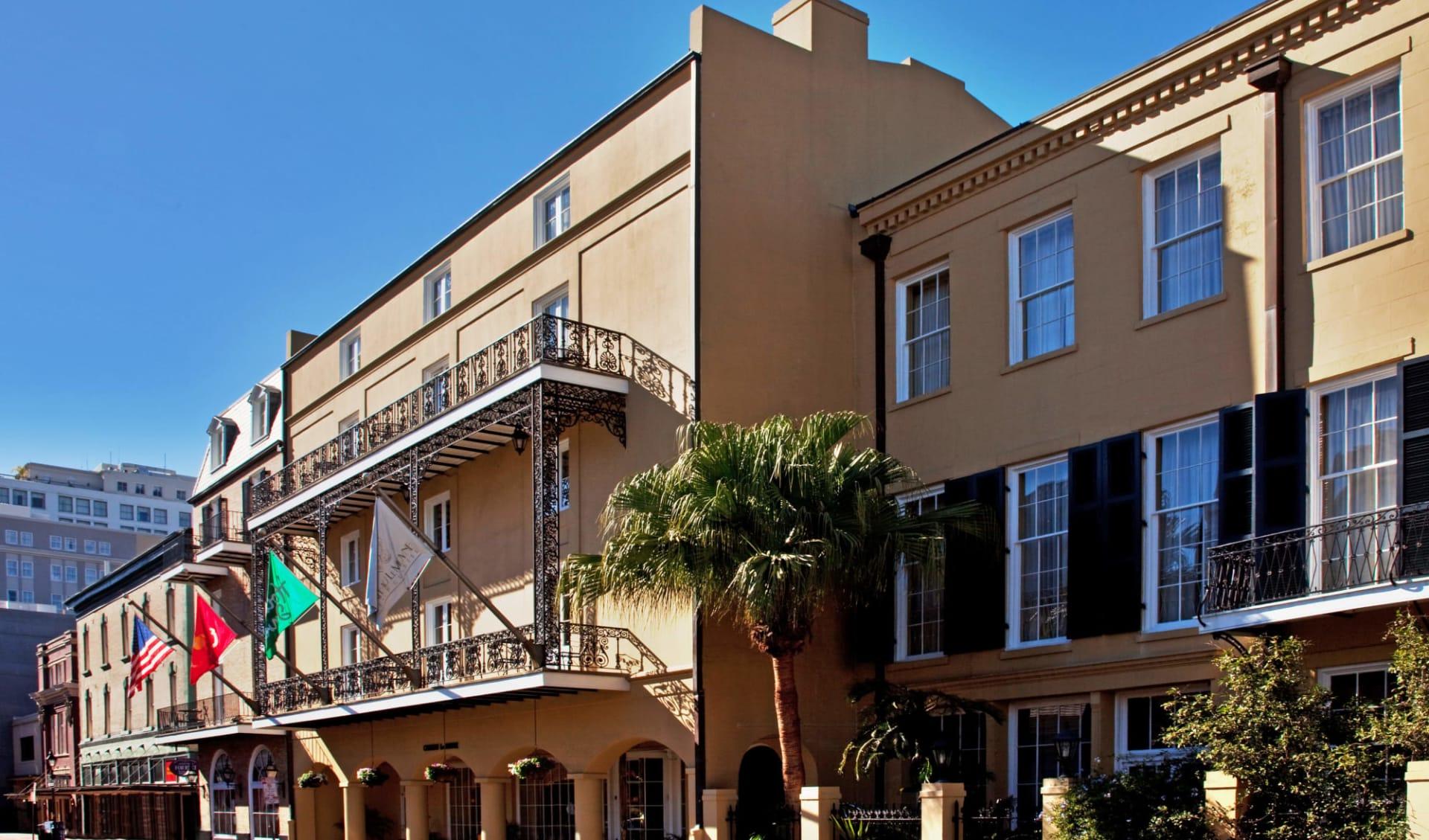 Chateau LeMoyne French Quarter A Holiday Inn Hotel in New Orleans:  Holiday Inn Chateau LeMoyne - Aussenansicht