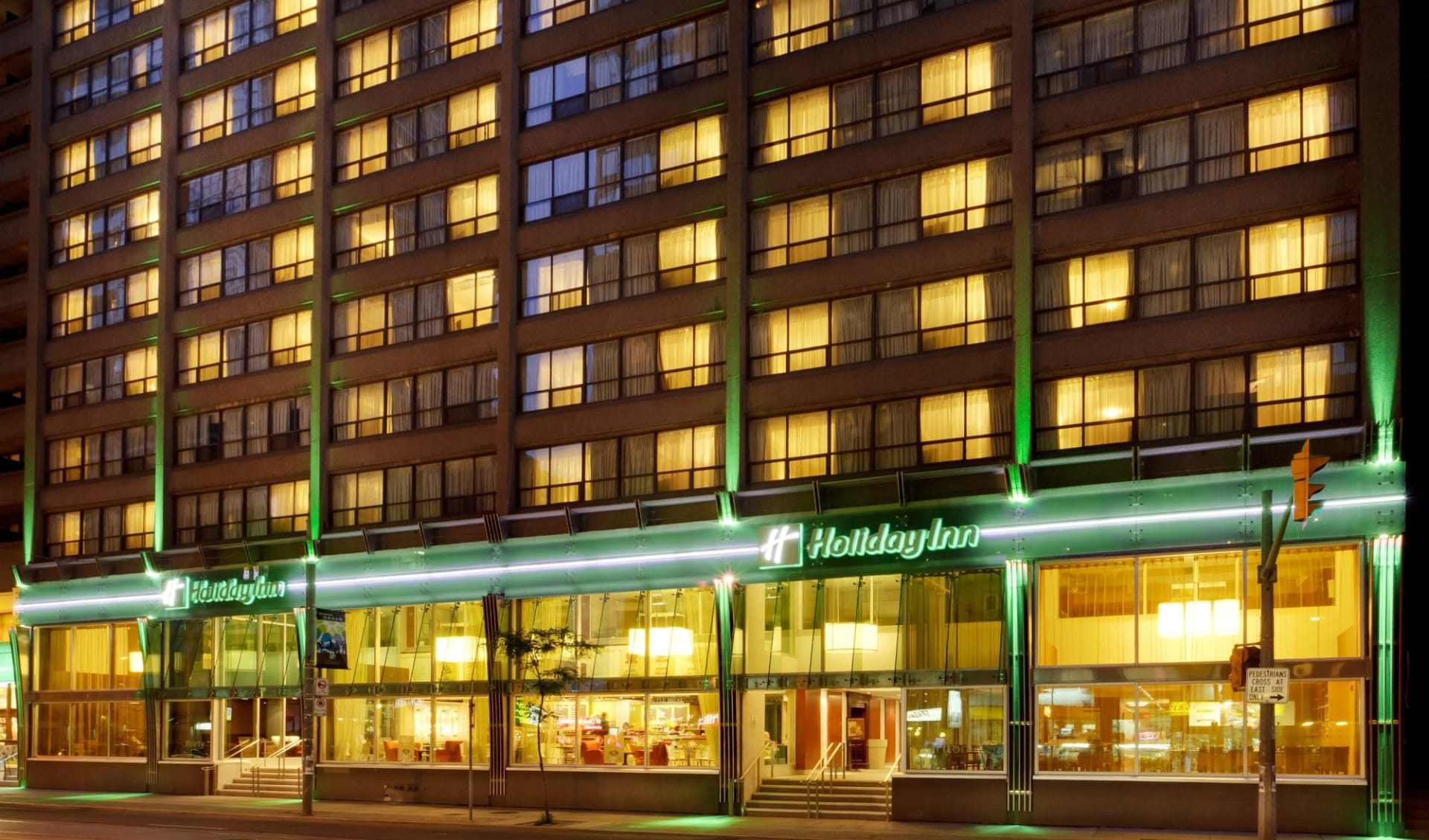 Holiday Inn Downtown Centre in Toronto:  Holiday Inn Toronto Downtown Centre_Front