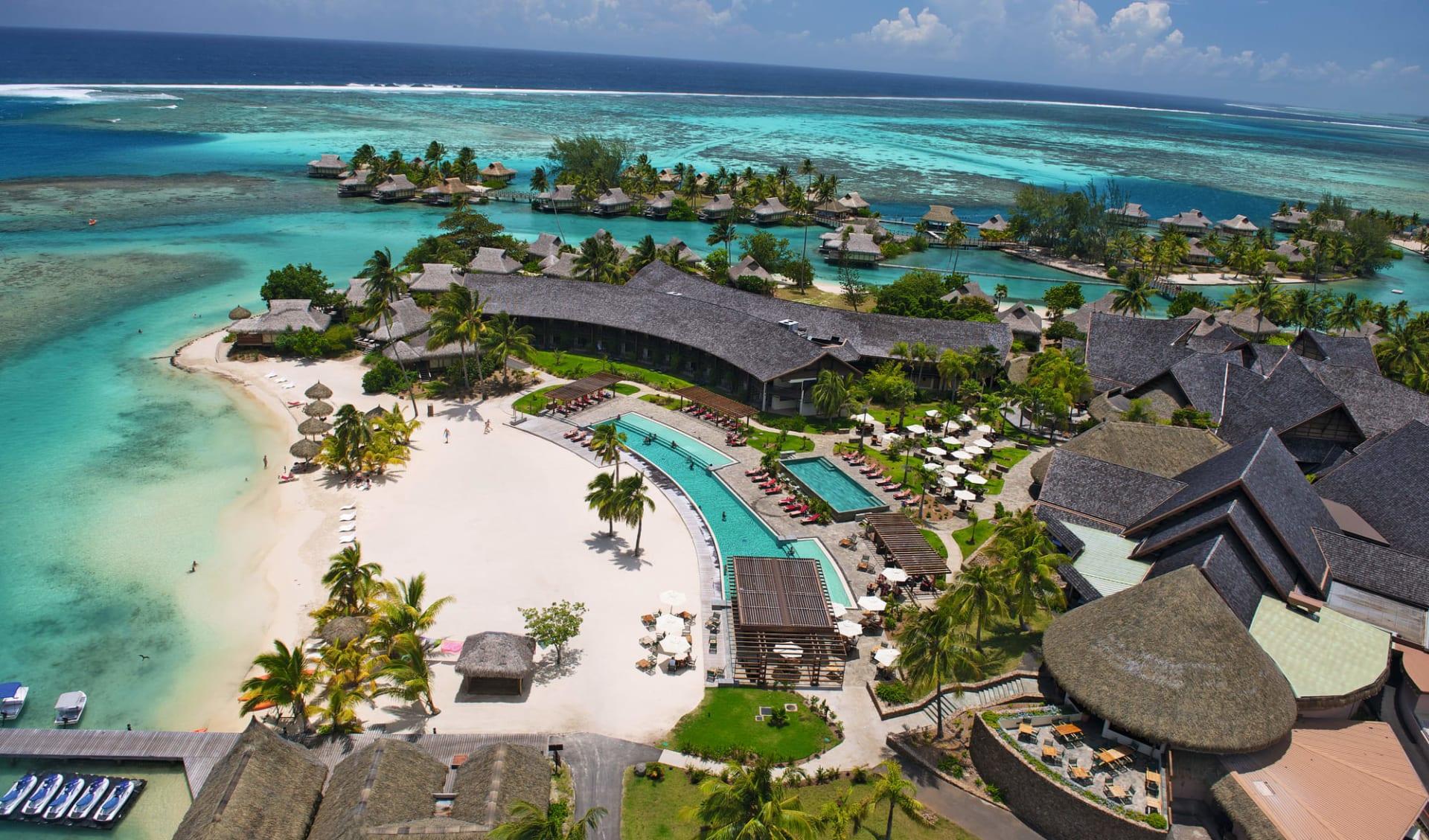 Intercontinental Resort & Spa Moorea:  Hotel InterContinental Resort & Spa Moorea - Vogelperspektive auf Anlage