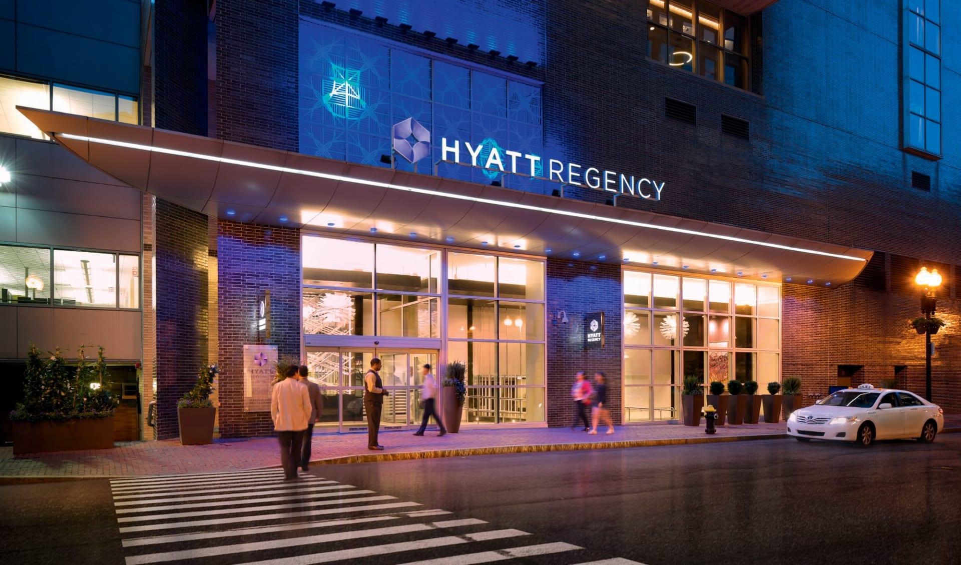 Hyatt Regency Boston: exterior hyatt regency hoteleingang strasse