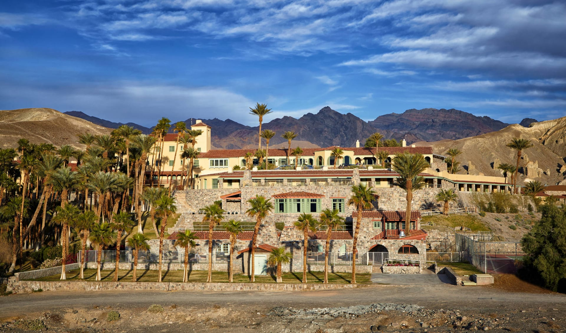 The Inn at Death Valley: Inn at Furnace Creek - exterior view of hotel