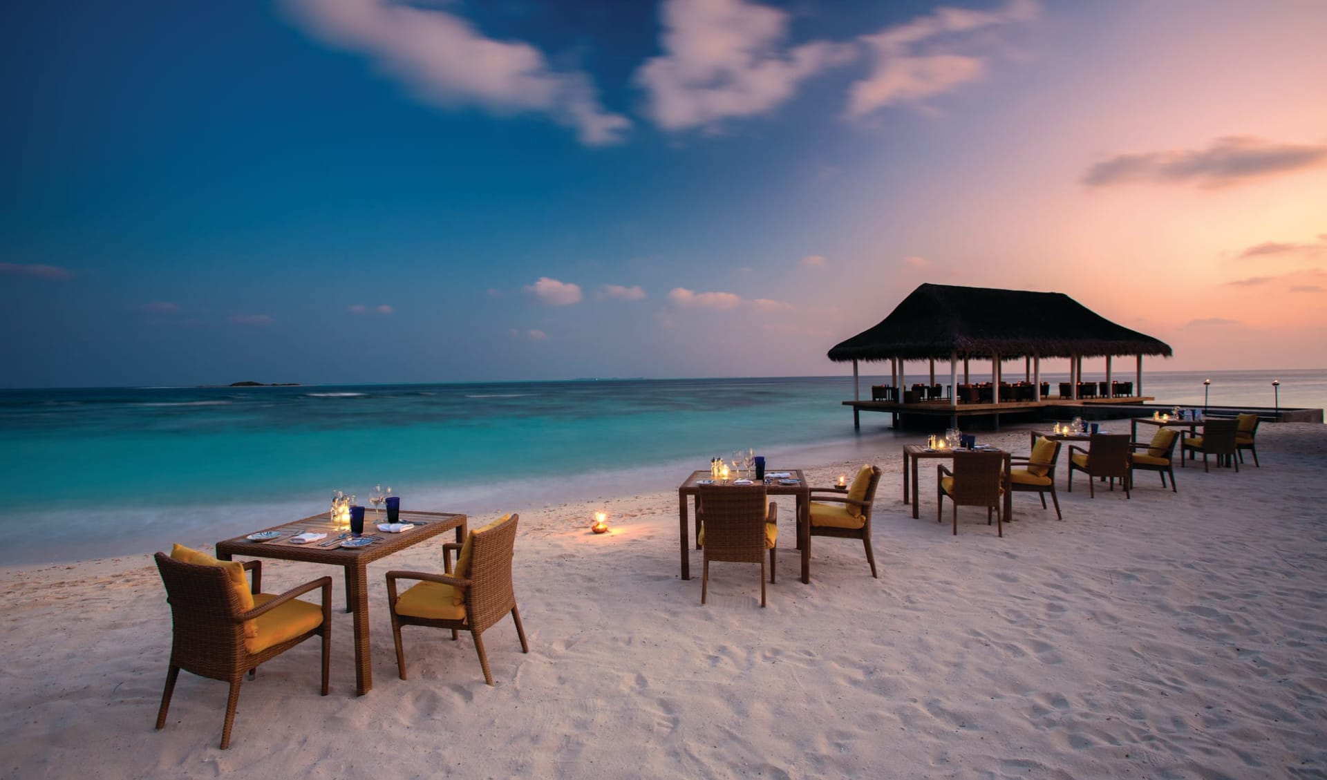 OBLU at Helengeli in Nordmale-Atoll:  Just Grill | Outdoor Seating