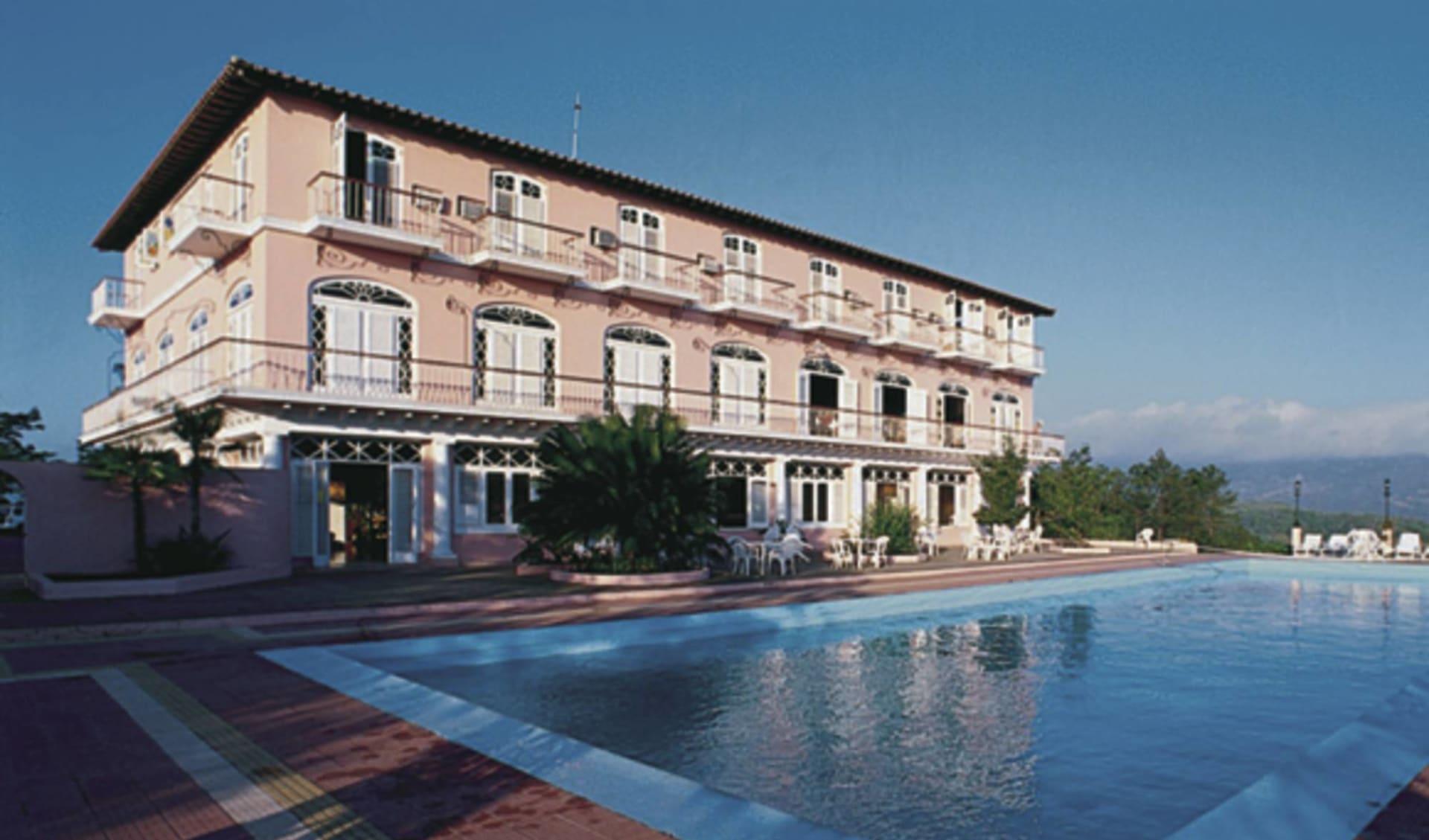 Los Jazmines in Vinales: exterior los jazmines hotel pool