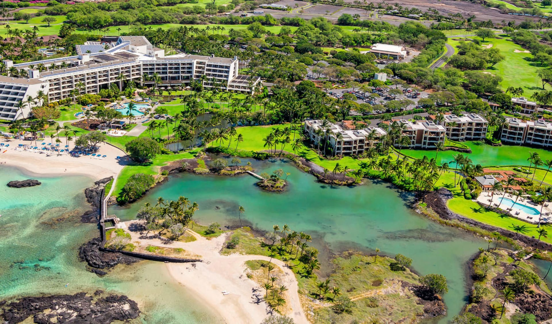 Mauna Lani Bay Hotel in Kamuela: exterior mauna lani bay hotel anlage garten pool