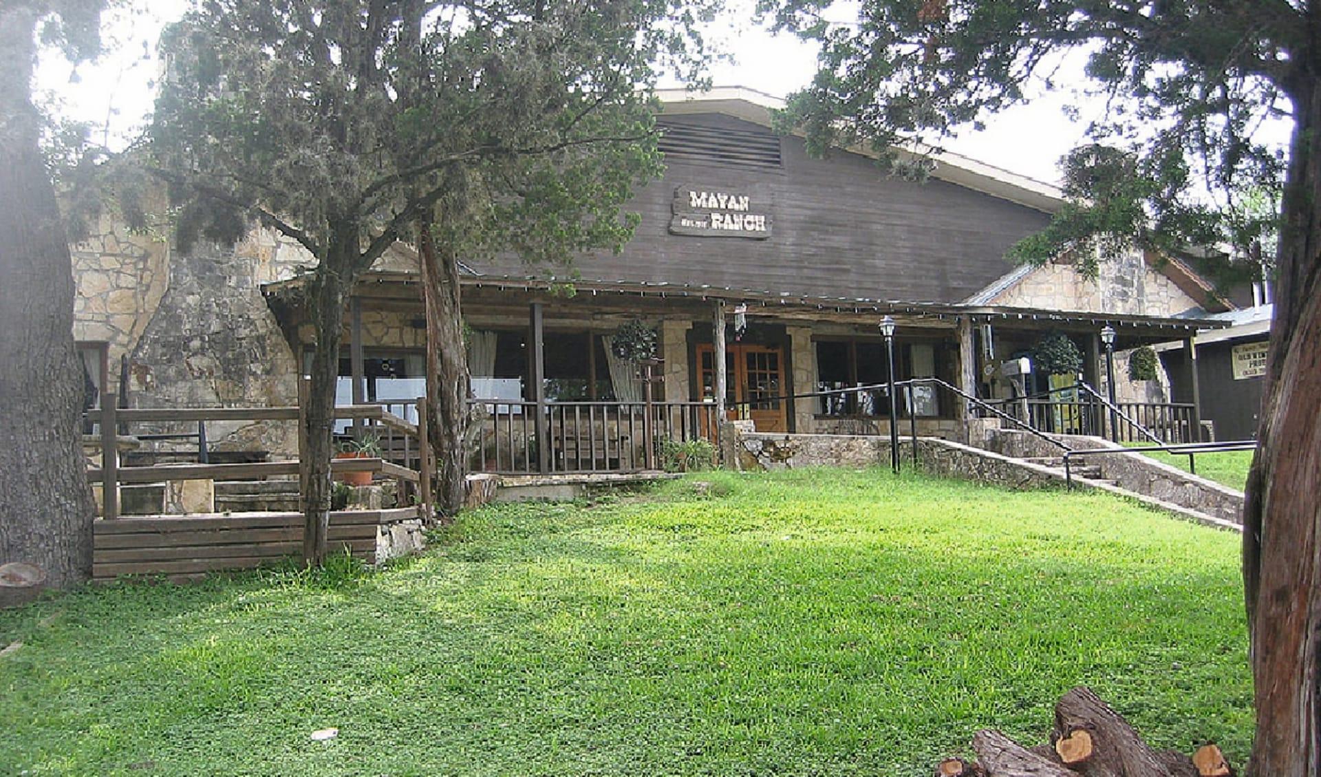 Mayan Dude Ranch in Bandera: exterior mayan dude ranchtexas ranchansicht