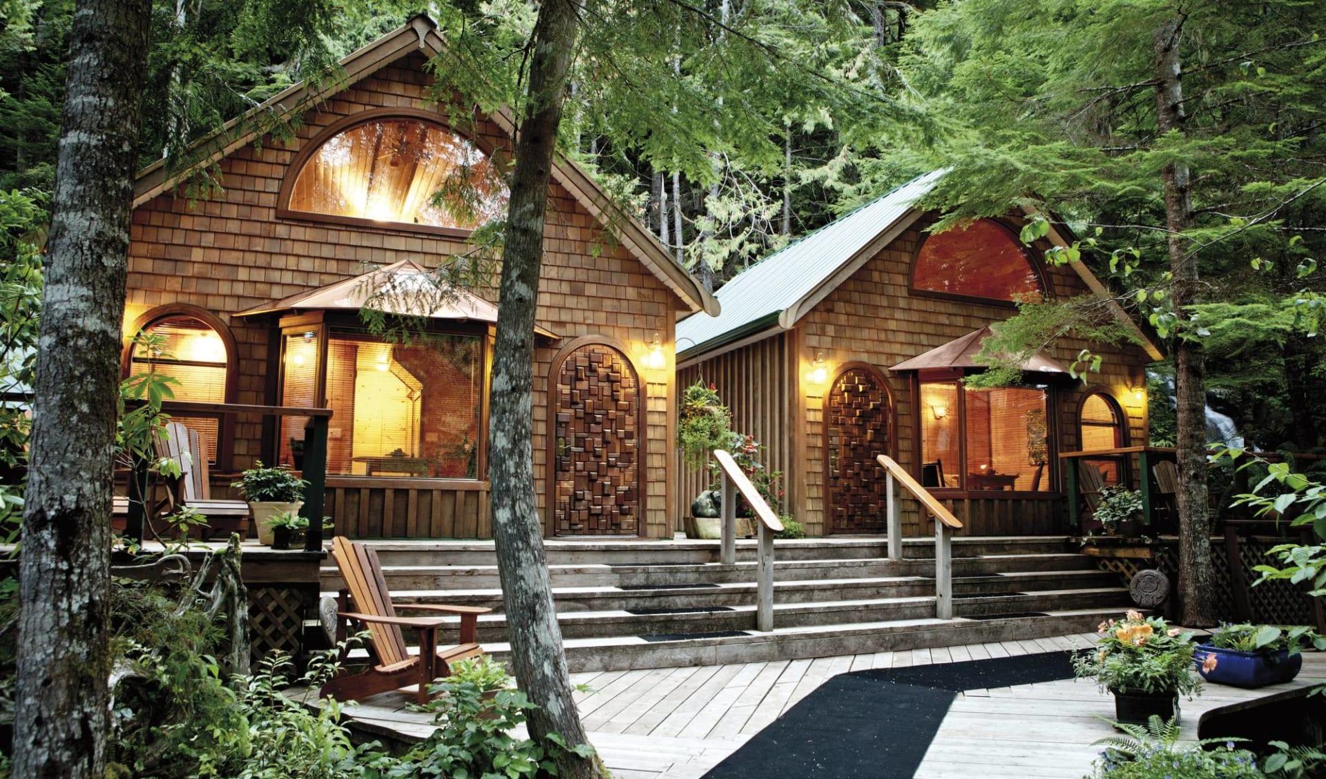Nimmo Bay Resort in Port McNeill: Nimmo Bay Wilderness Resort - Forestview Cabins c Jeremy