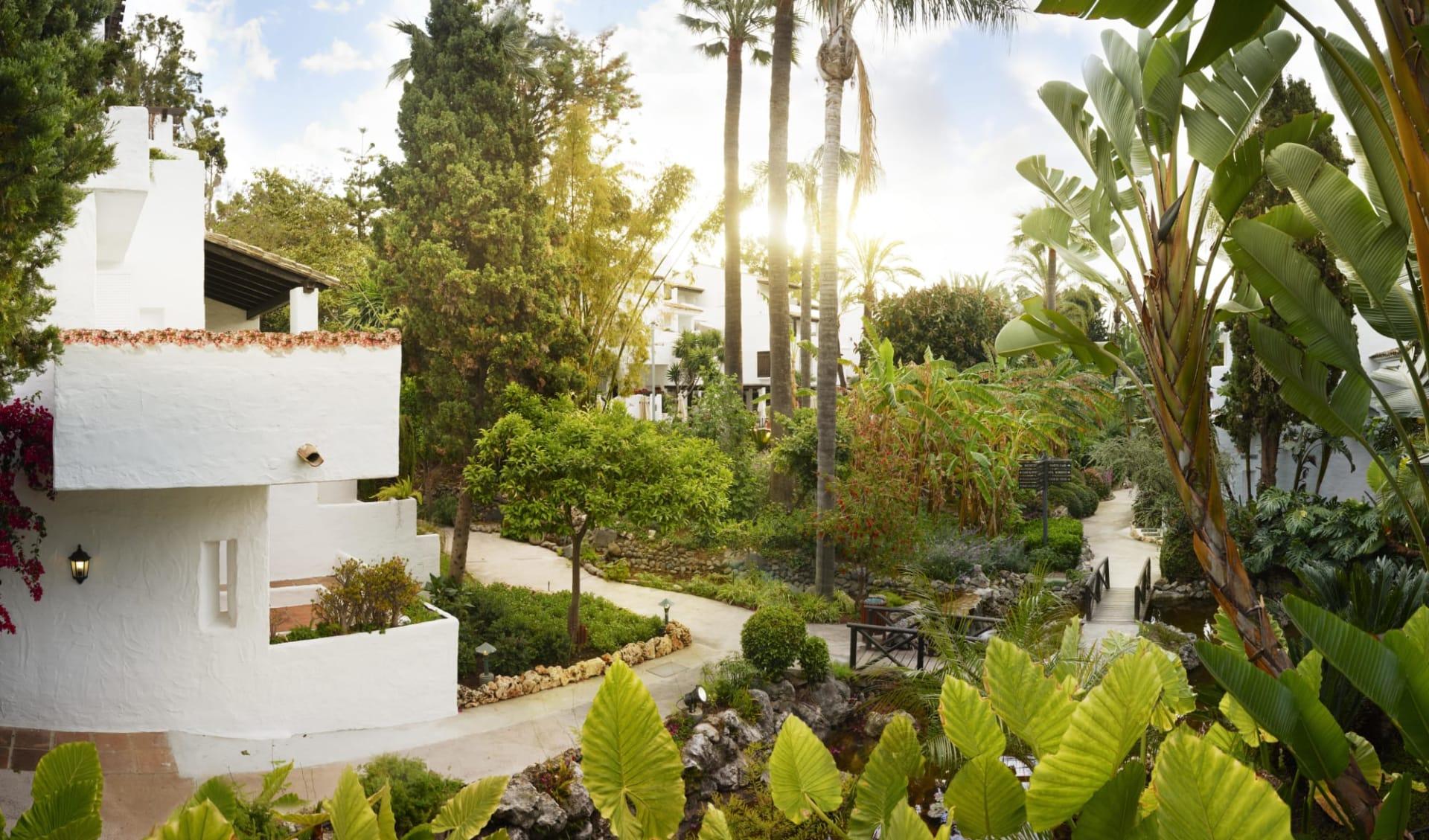 Puente Romano Beach Resort & Spa in Marbella: Puente Romano Beach Resort & Spa - Aussenansicht