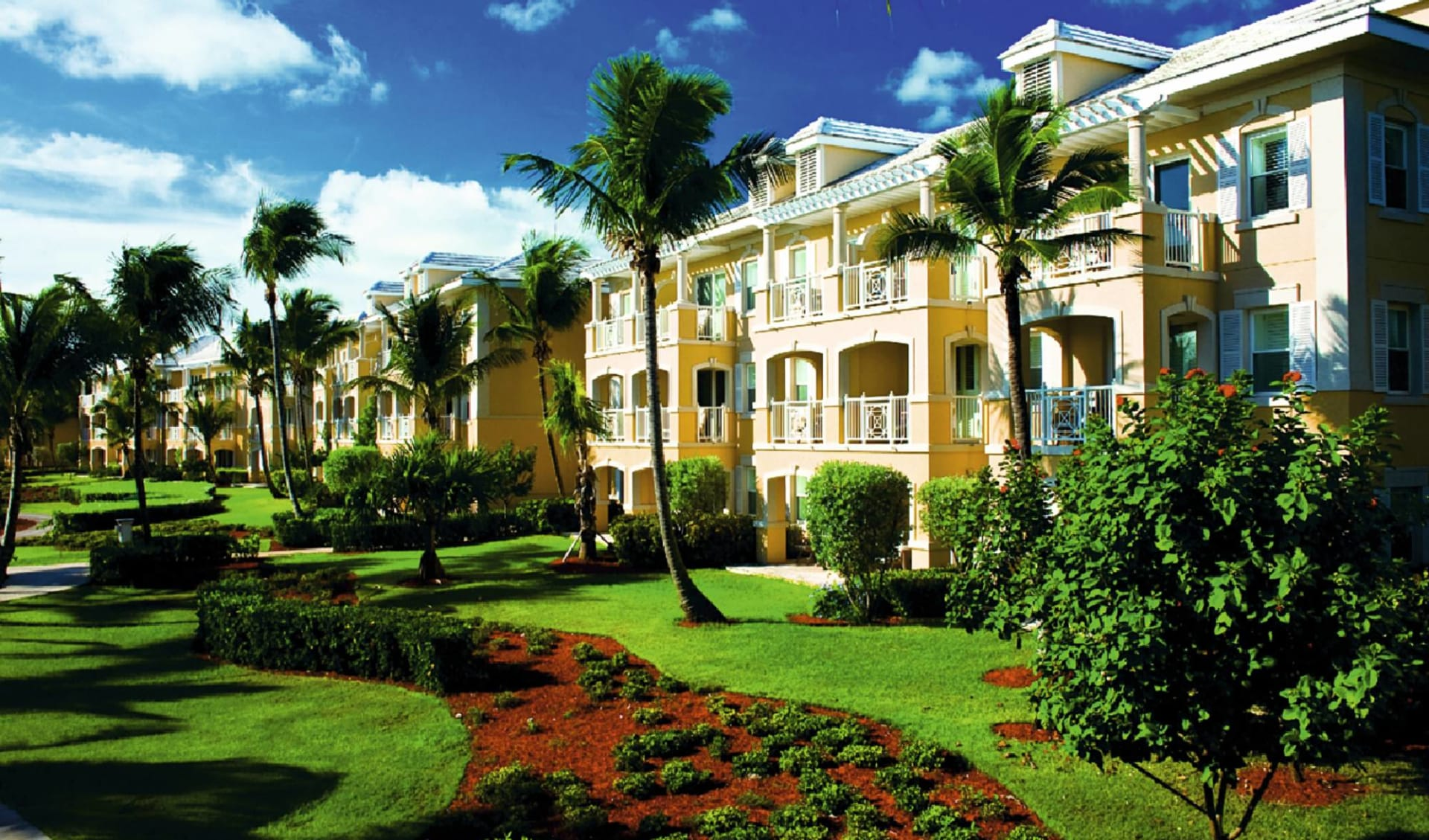 Sandals Emerald Bay: exterior sandals emerald bay hotelansicht gartenanlage