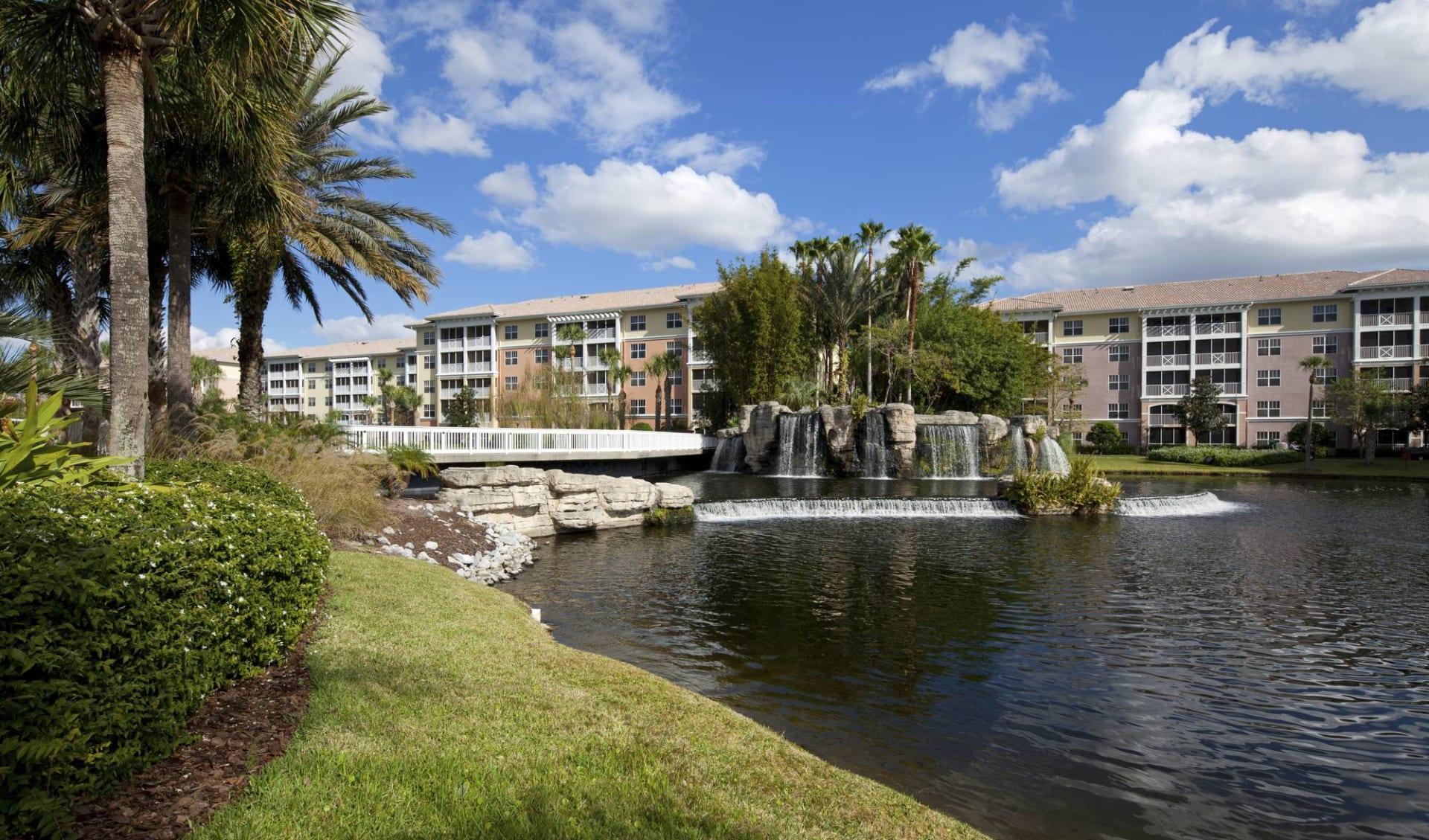 Sheraton Vistana Villages in Orlando:  Sheraton Vistana Villages - Aussenansicht tagsüber