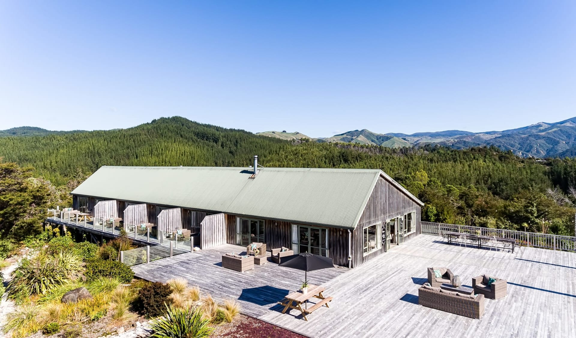 Split Apple Lodge in Kaiteriteri:  Split_Apple_Lodge_DJI_0828
