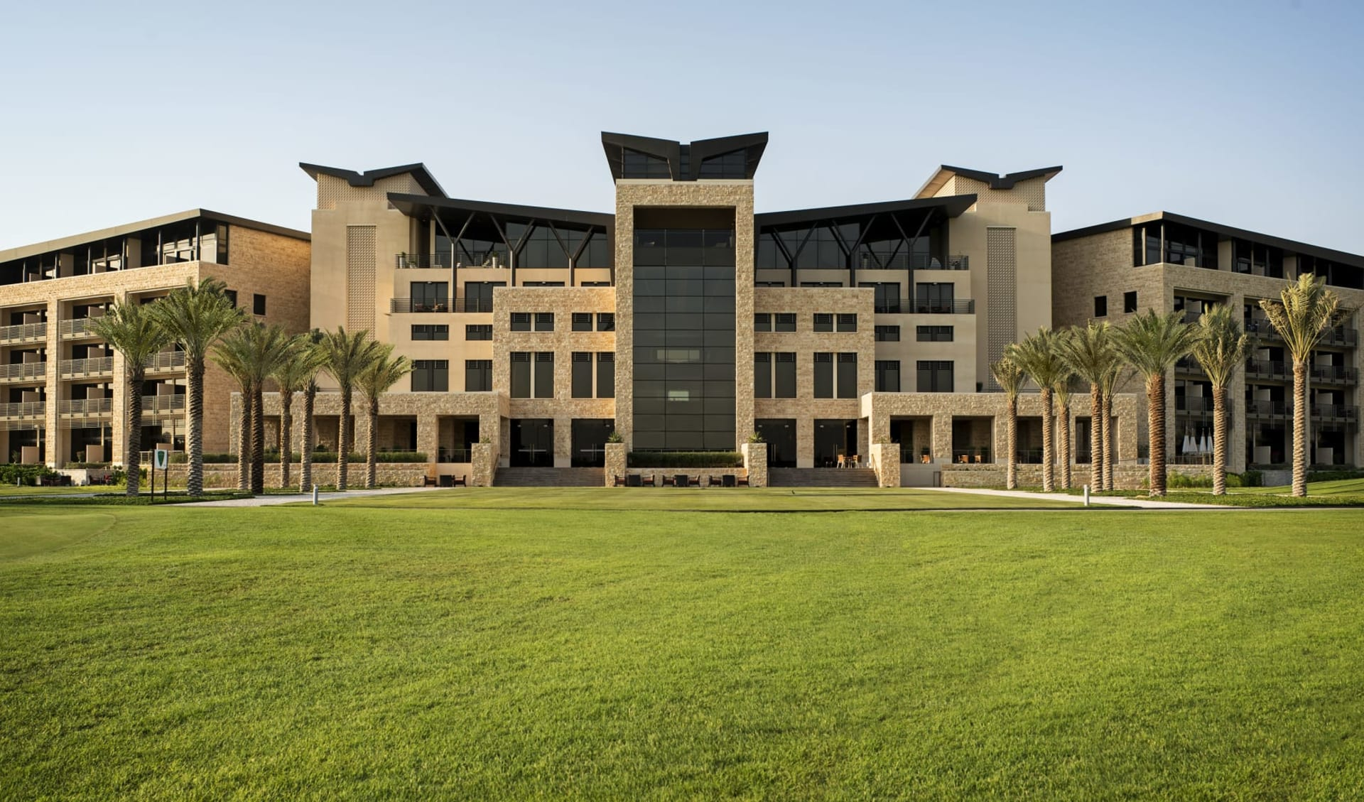 The Westin Abu Dhabi Golf Resort & Spa: The Westin Abu Dhabi Golf Resort & Spa - Aussenansicht