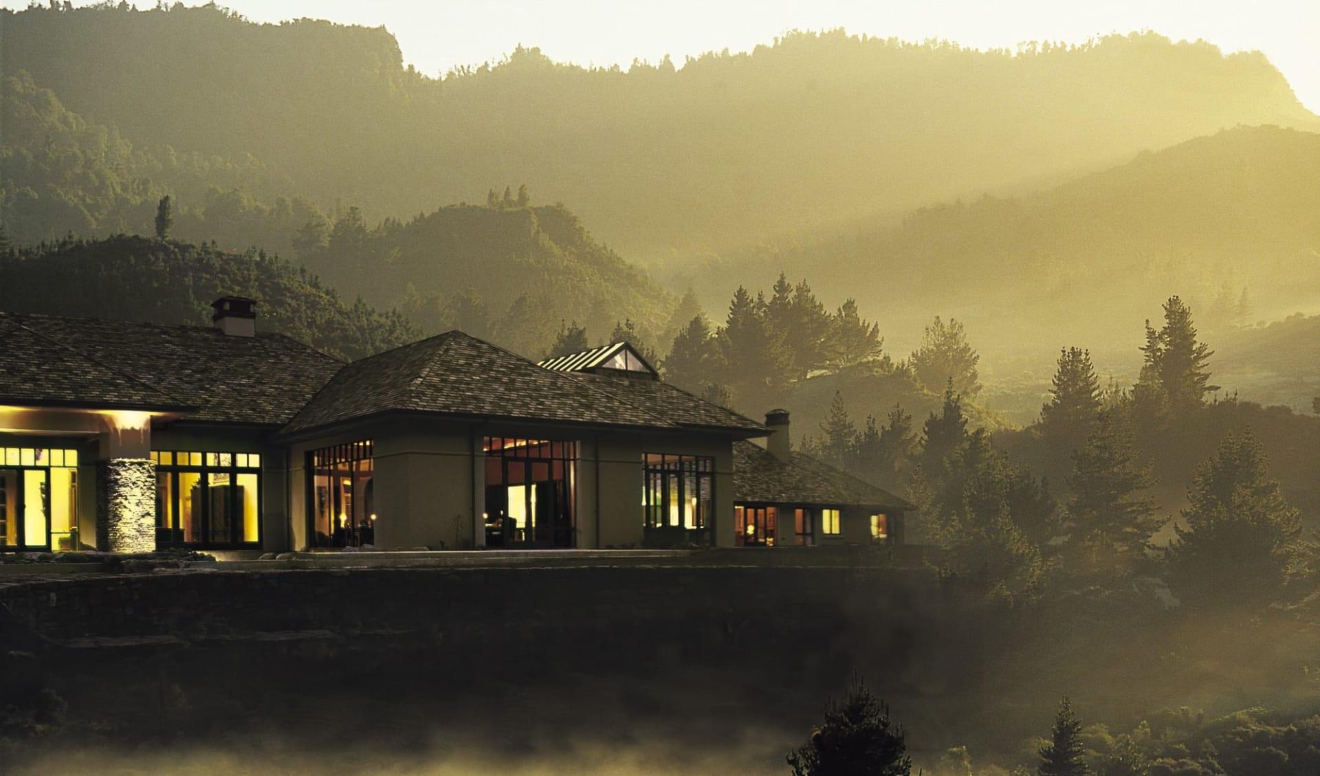 Treetops Lodge in Rotorua: Exterior Treetops Lodge - Exterior, misty morning