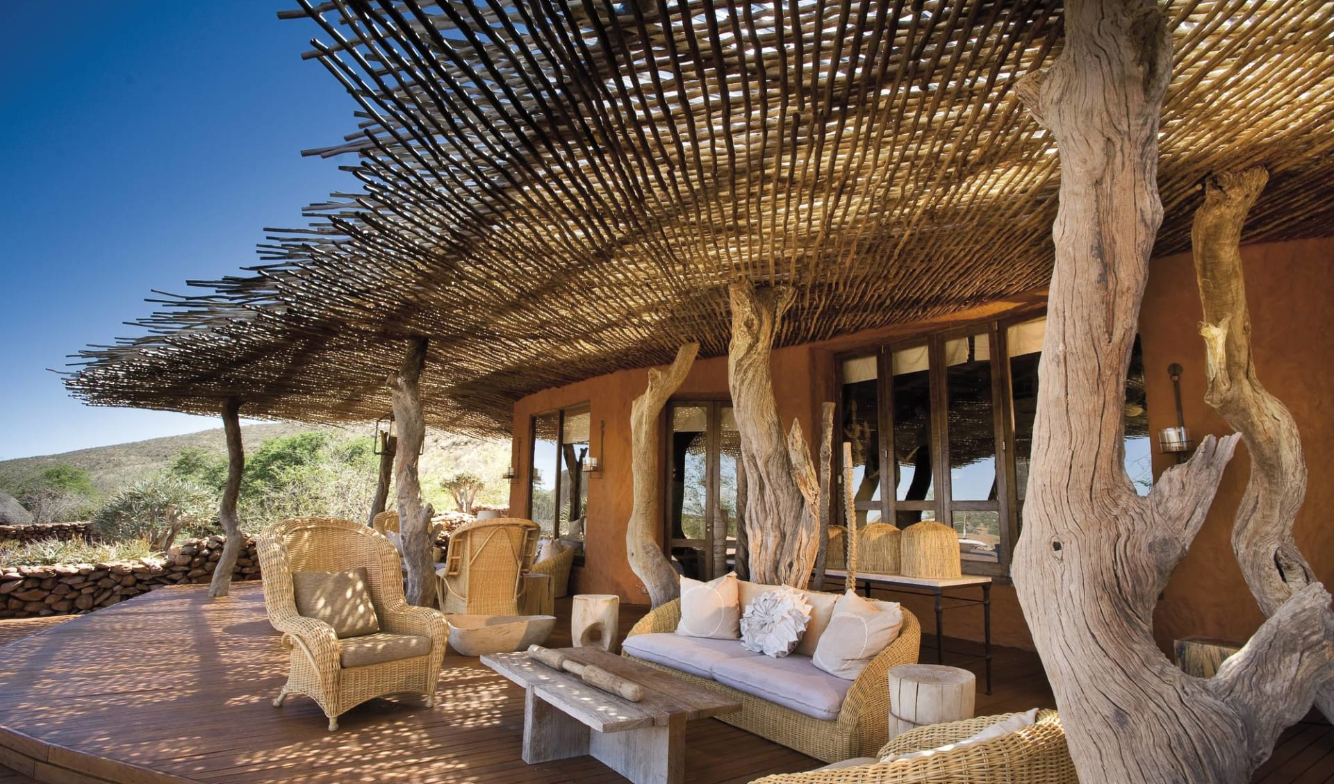 South Africa's Secrets ab Kapstadt: exterior: Tswalu Kalahari Game Reserve - Terrasse