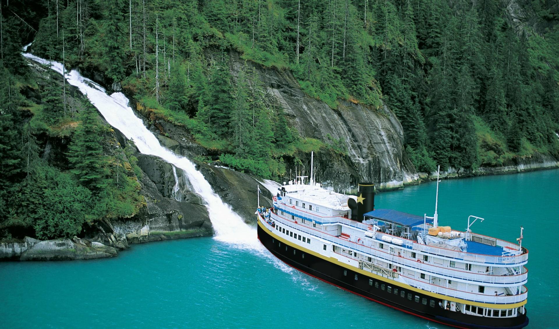 Yacht-Kreuzfahrten mit Un-Cruise Adventures ab Juneau: exterior: UN Cruise Adventures - Legacy