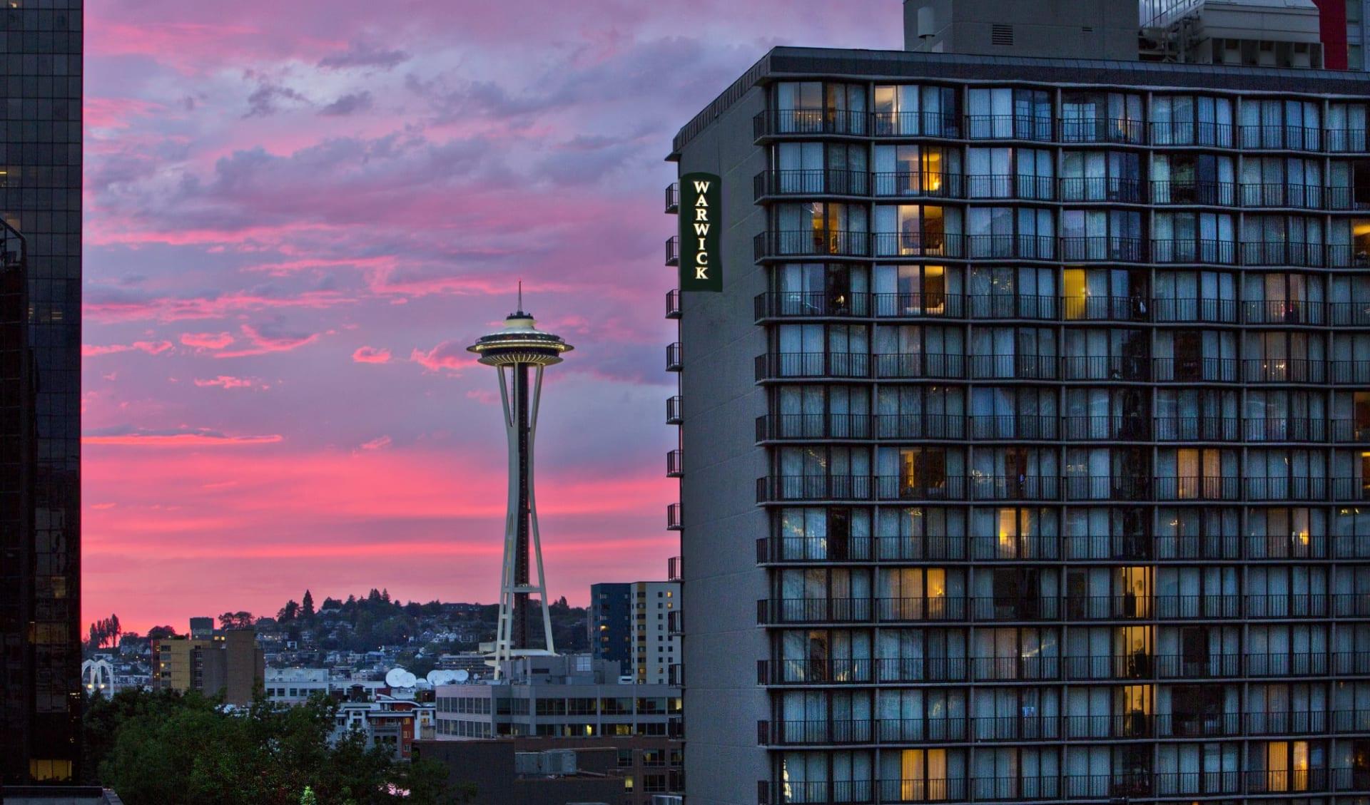 Warwick Hotel in Seattle: Exterior_Warwick Hotel_Aussenansicht abend_ATI
