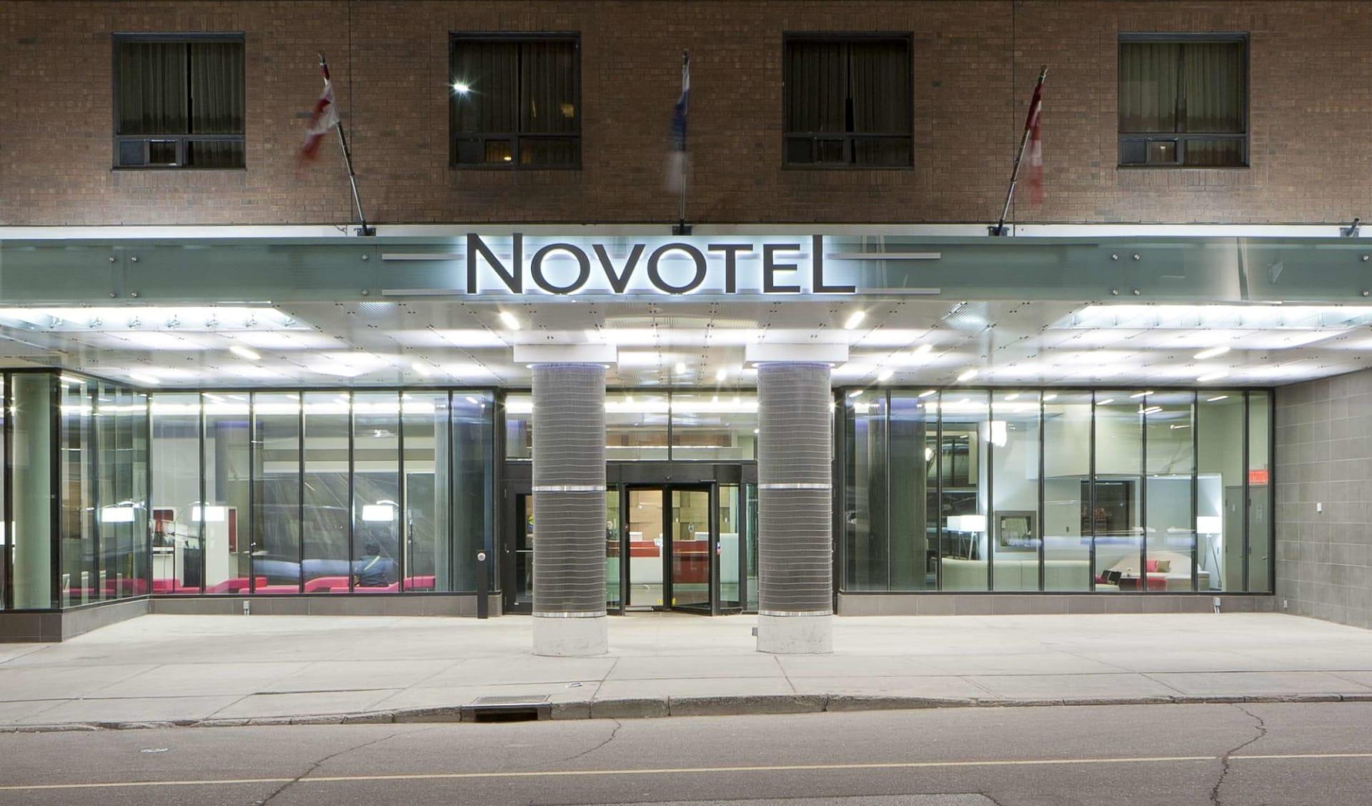 Novotel Ottawa:  YOWNO_exterior_002