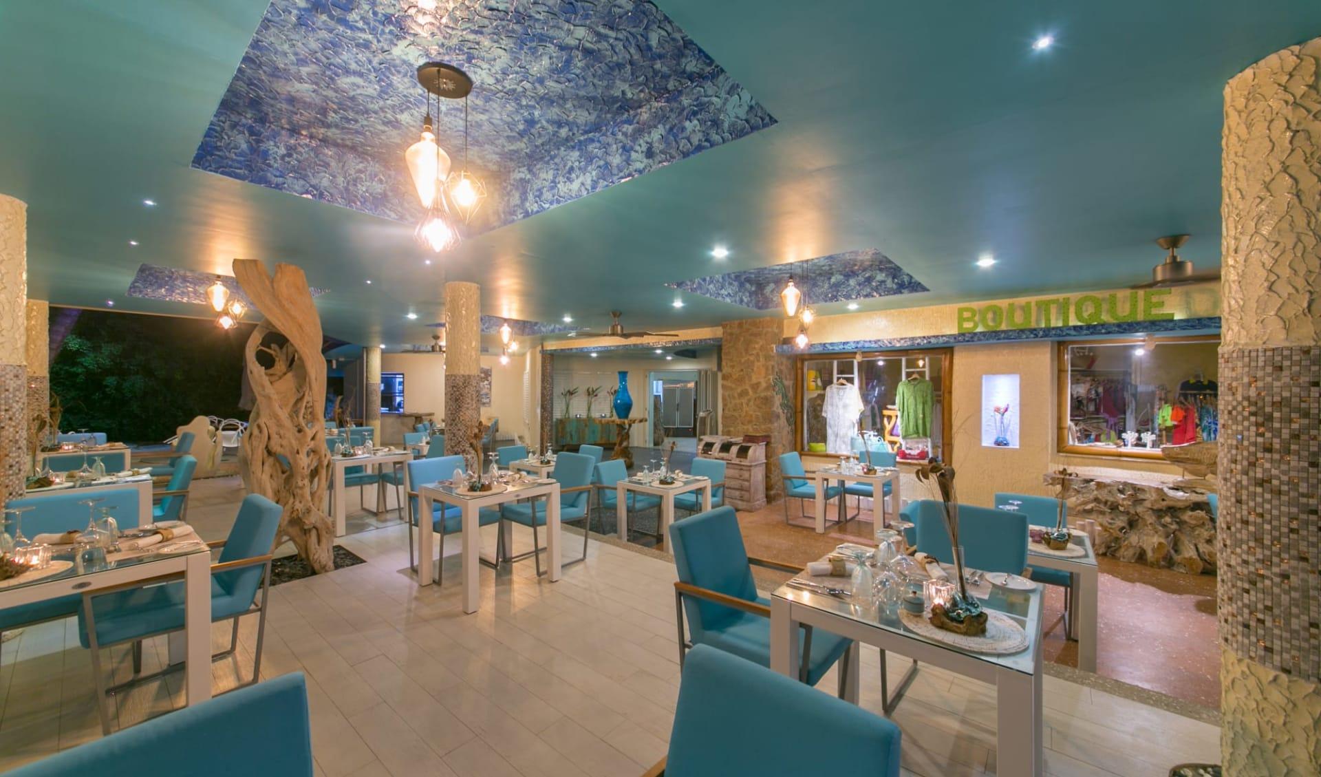 Le Duc de Praslin:  Cafe des Art Restaurant