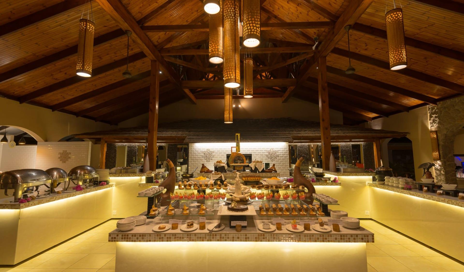 Coco de Mer & Black Parrot Suites in Praslin:  Hibiscus restaurant