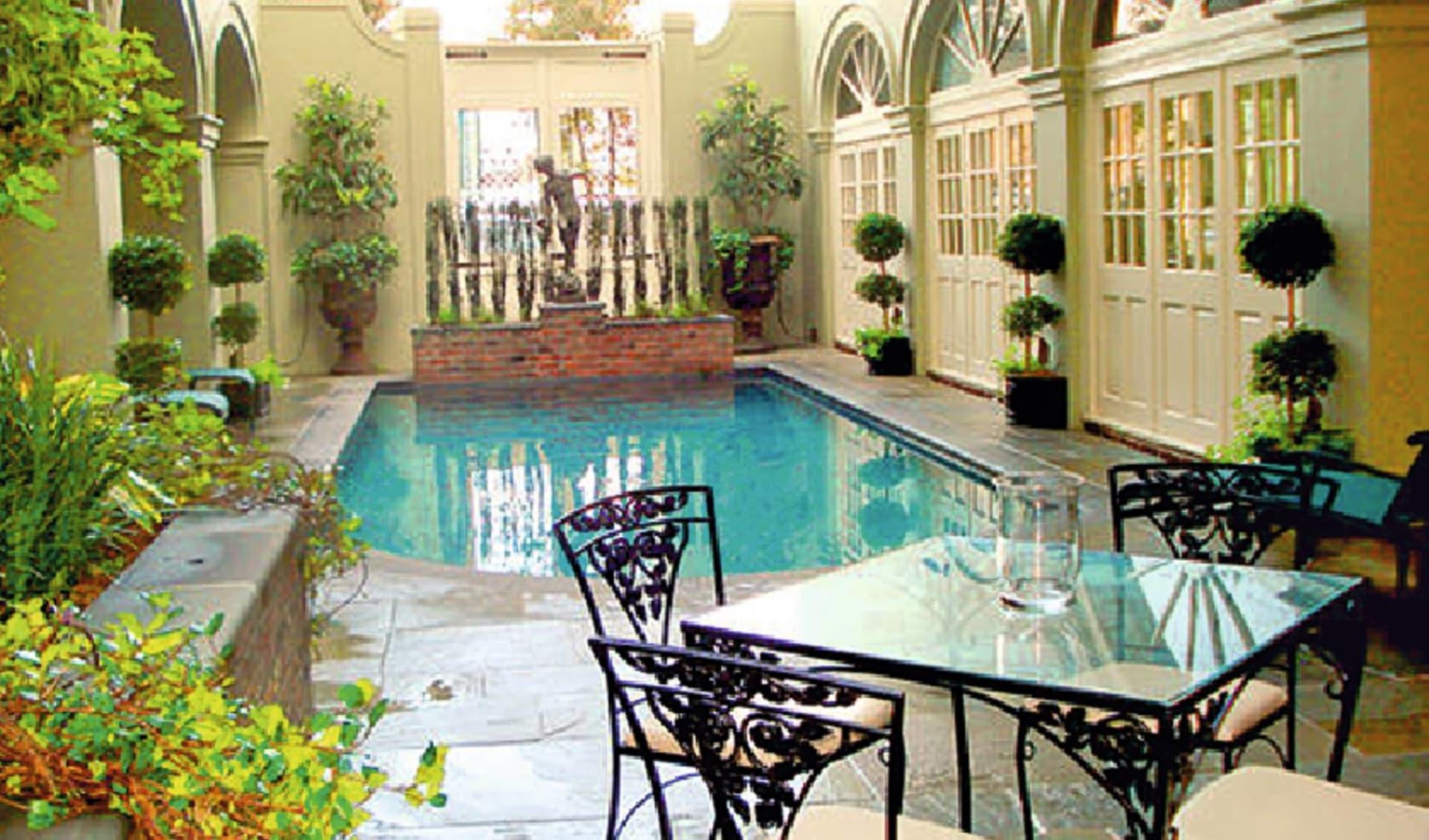 Bienville House in New Orleans:  Bienville House - Gartenanlage