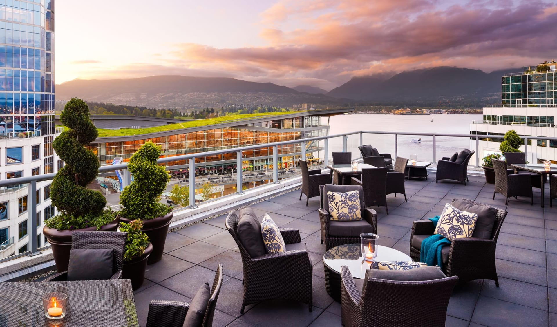The Fairmont Waterfront in Vancouver: facilities_Fairmont Waterfront_FairmontGoldTerrace