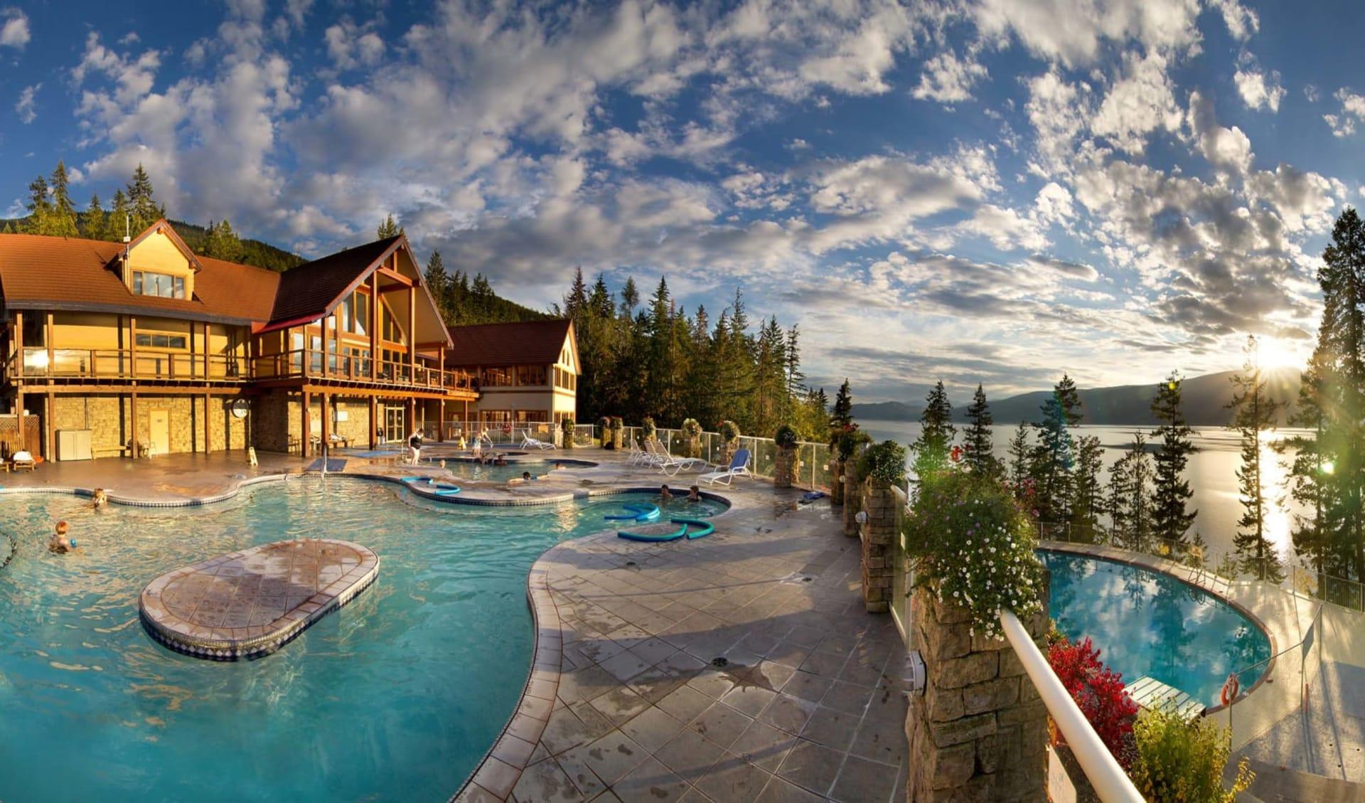 Halcyon Hot Springs Resort in Nakusp: Facilities_Halcyon Hot Springs Resort_Pool_Jonview